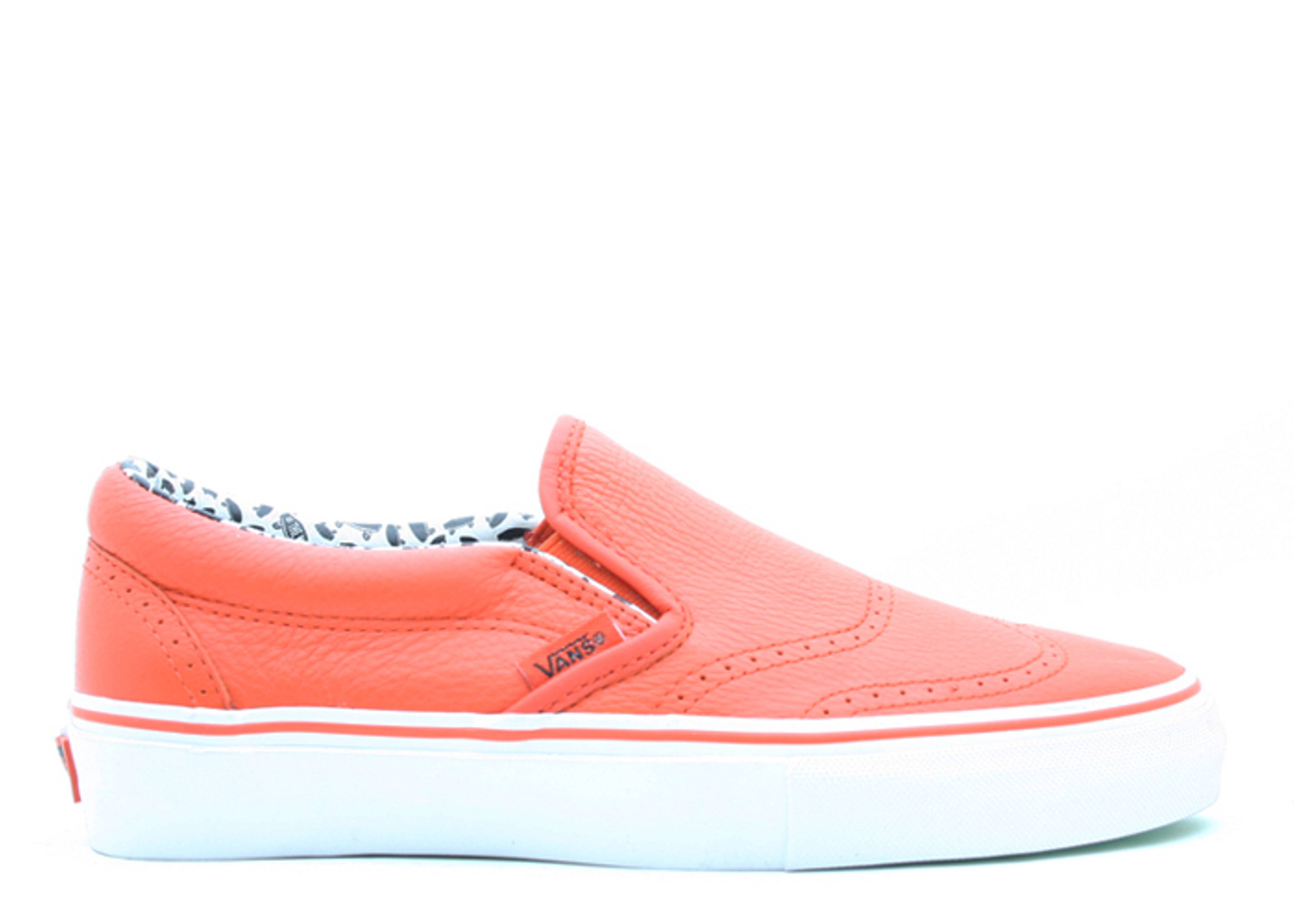 classic slip on wing top