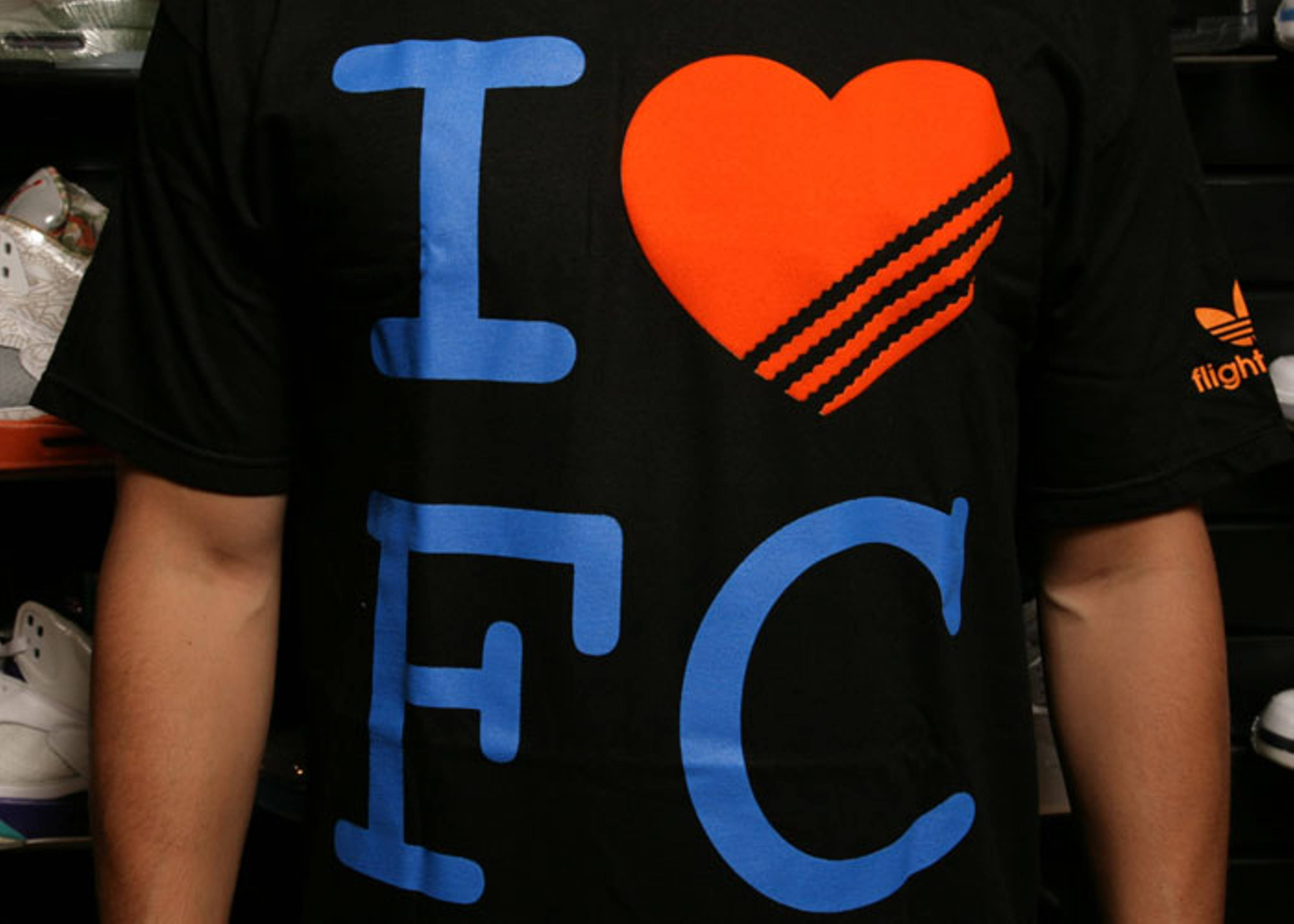 "adidas loves fc t shirt ""manhattan"""
