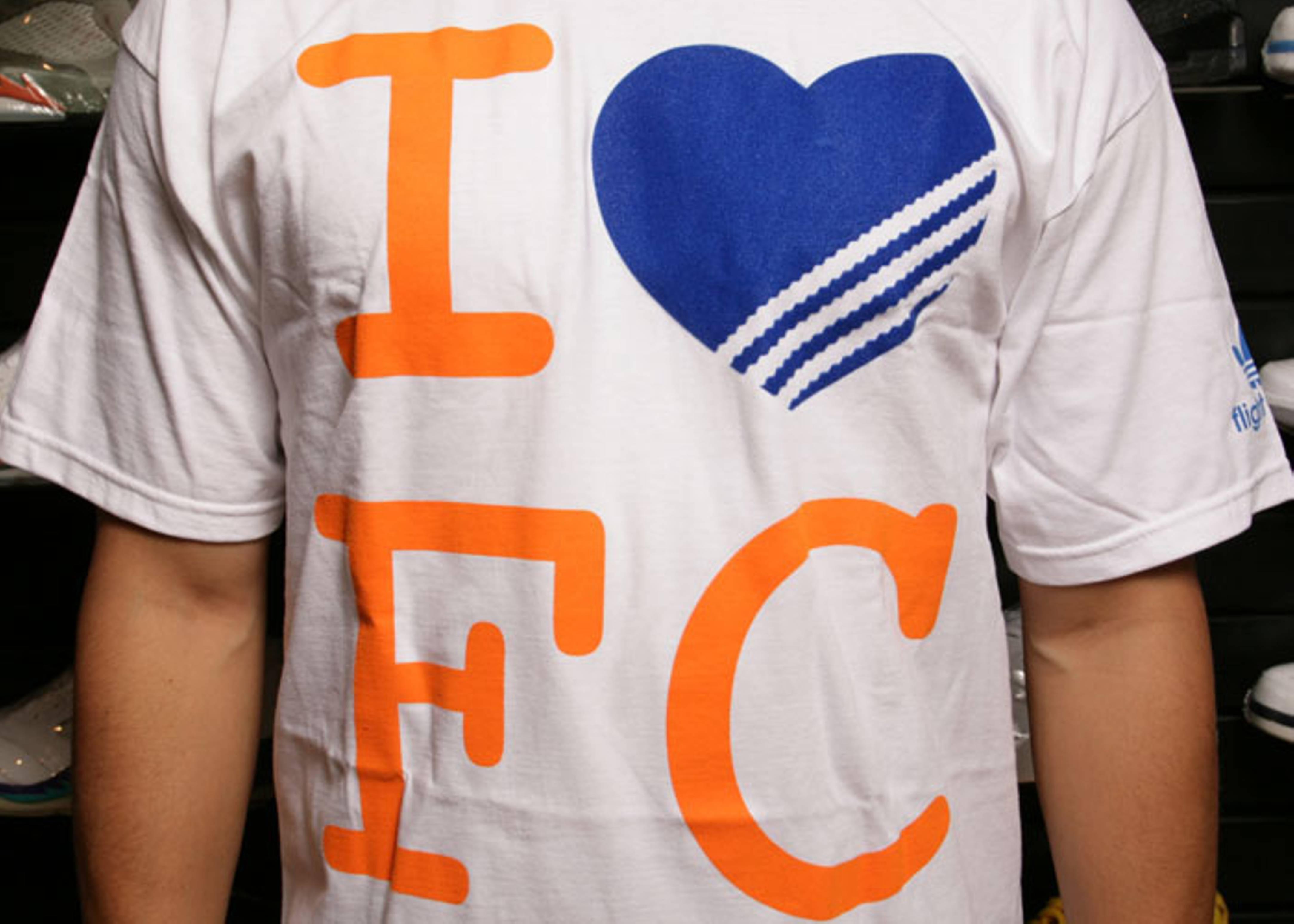 "adidas loves fc t shirt ""queens"""