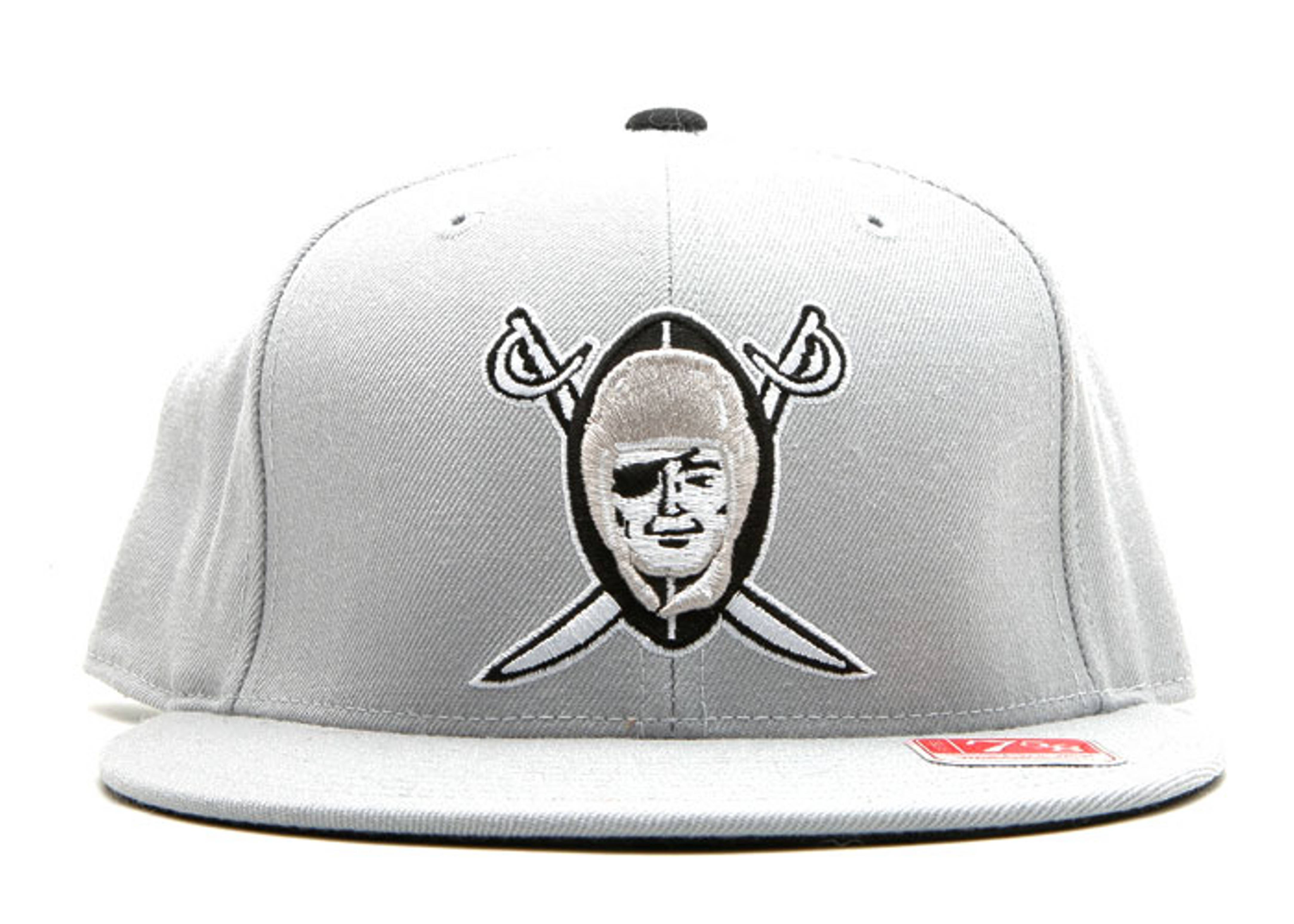 """oakland raiders fitted """"shield"""""""