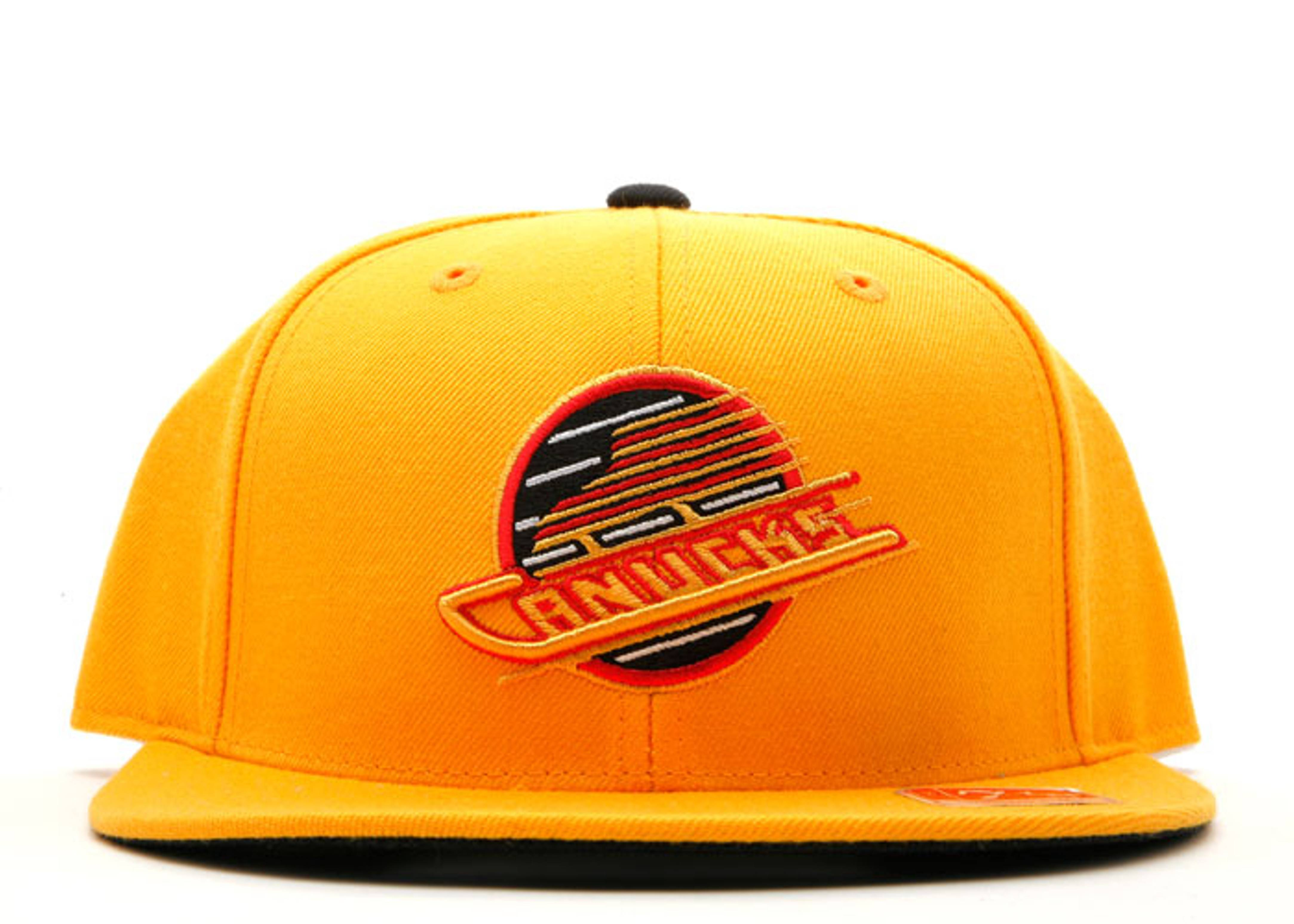 vancouver canucks fitted