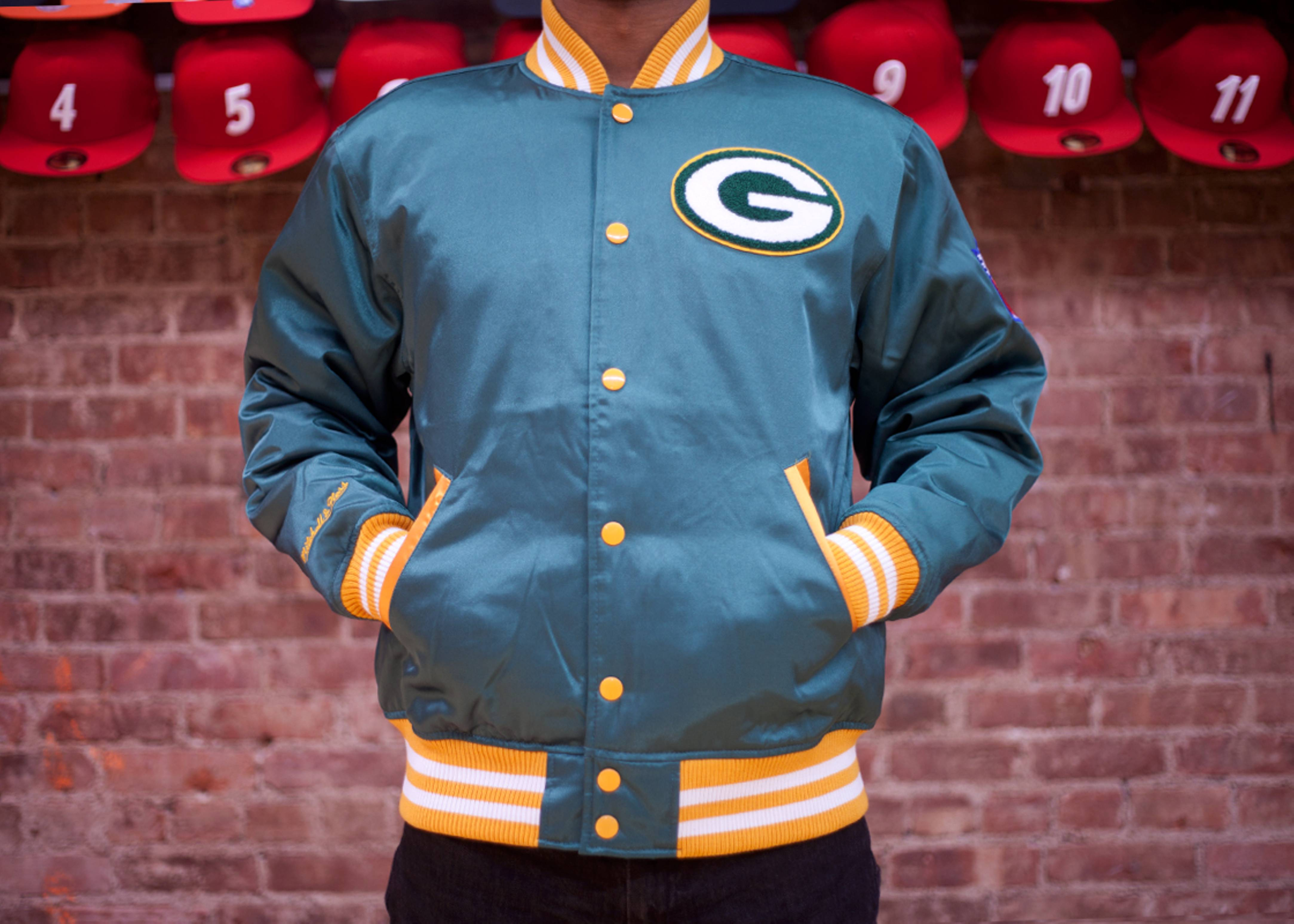 on sale 67feb 8035a Green Bay Packers Satin Jacket - Mitchell & Ness - 26 ...