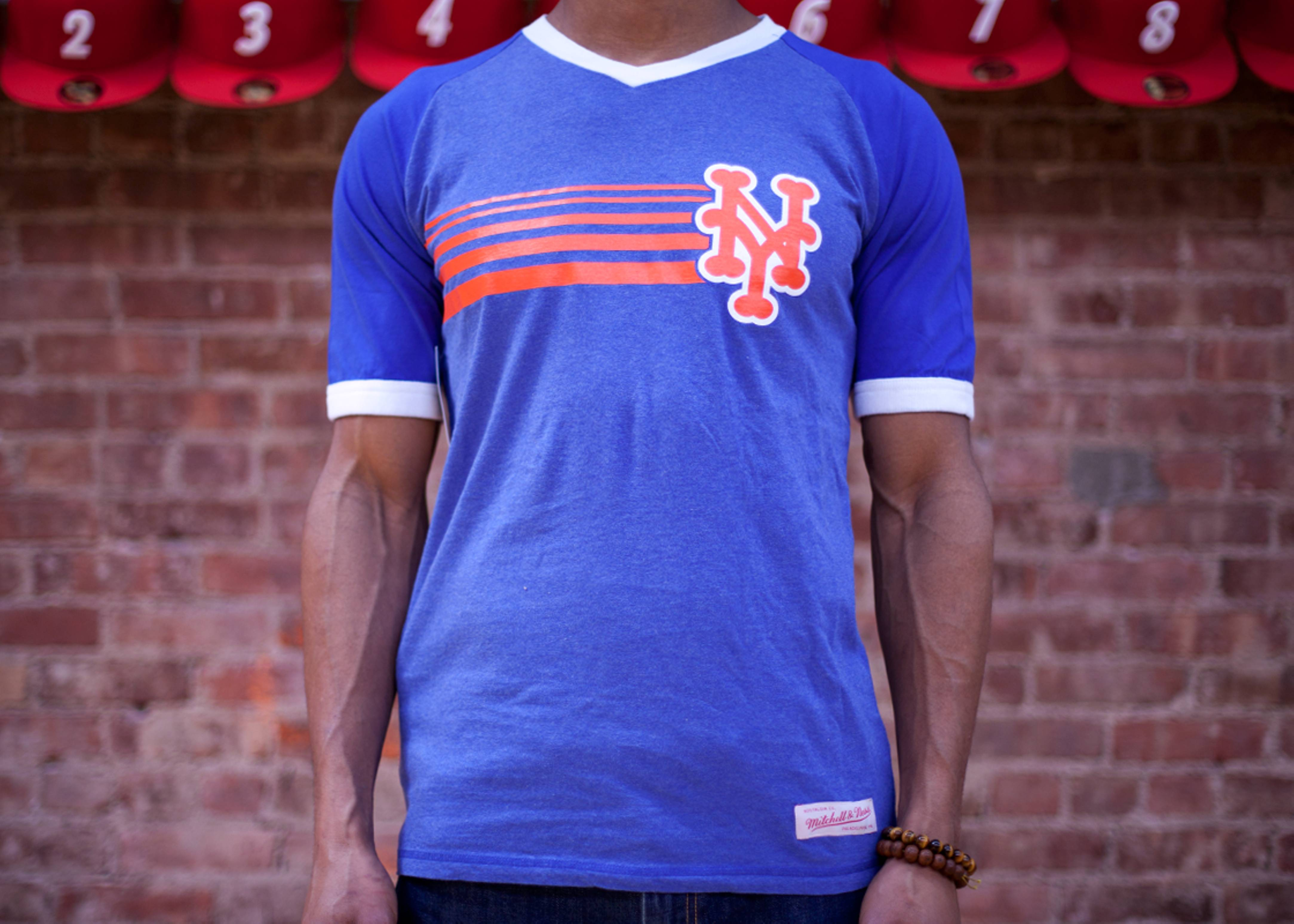 new york mets undefeated v-neck tee
