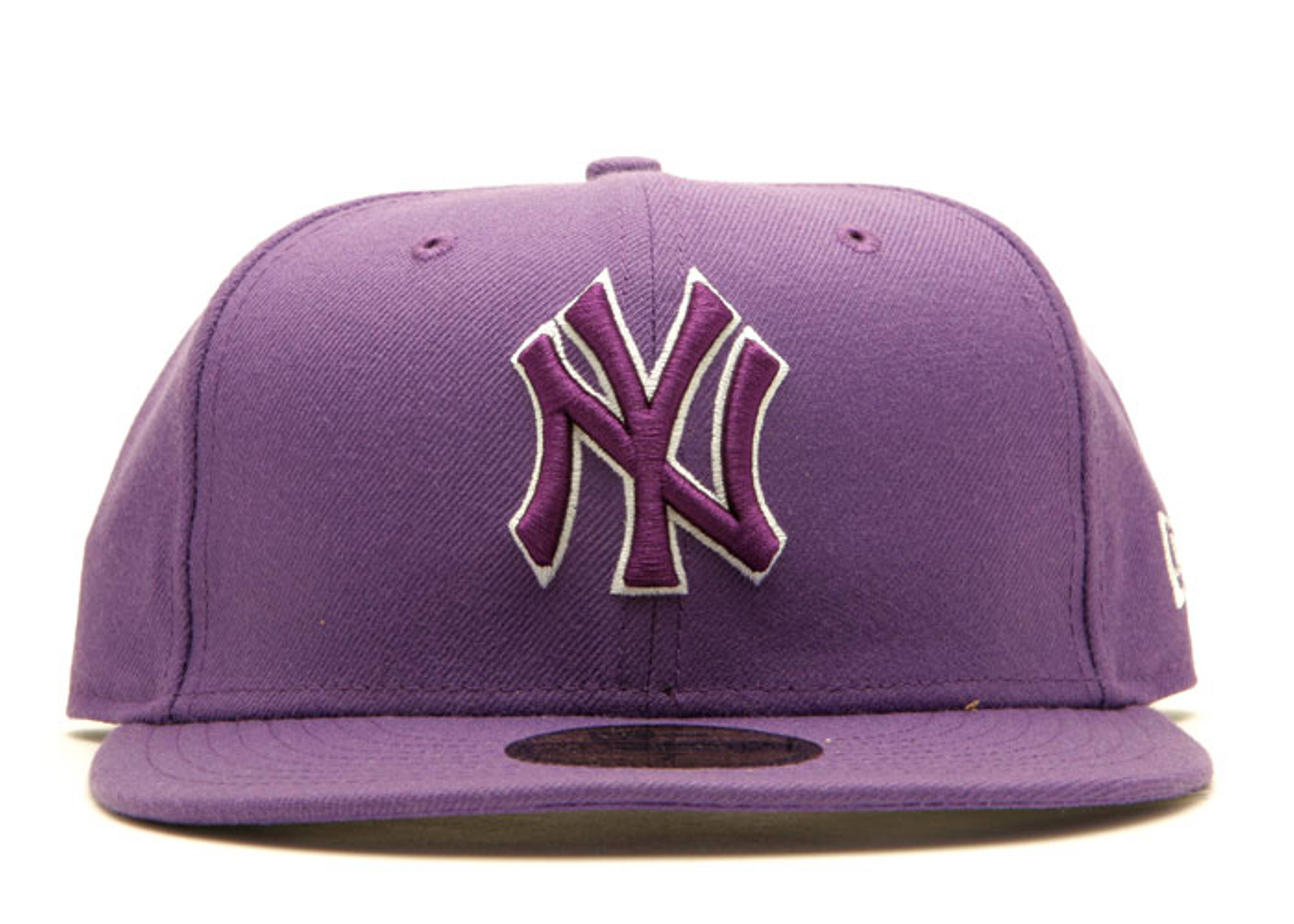 "new york yankees fitted ""outline"""