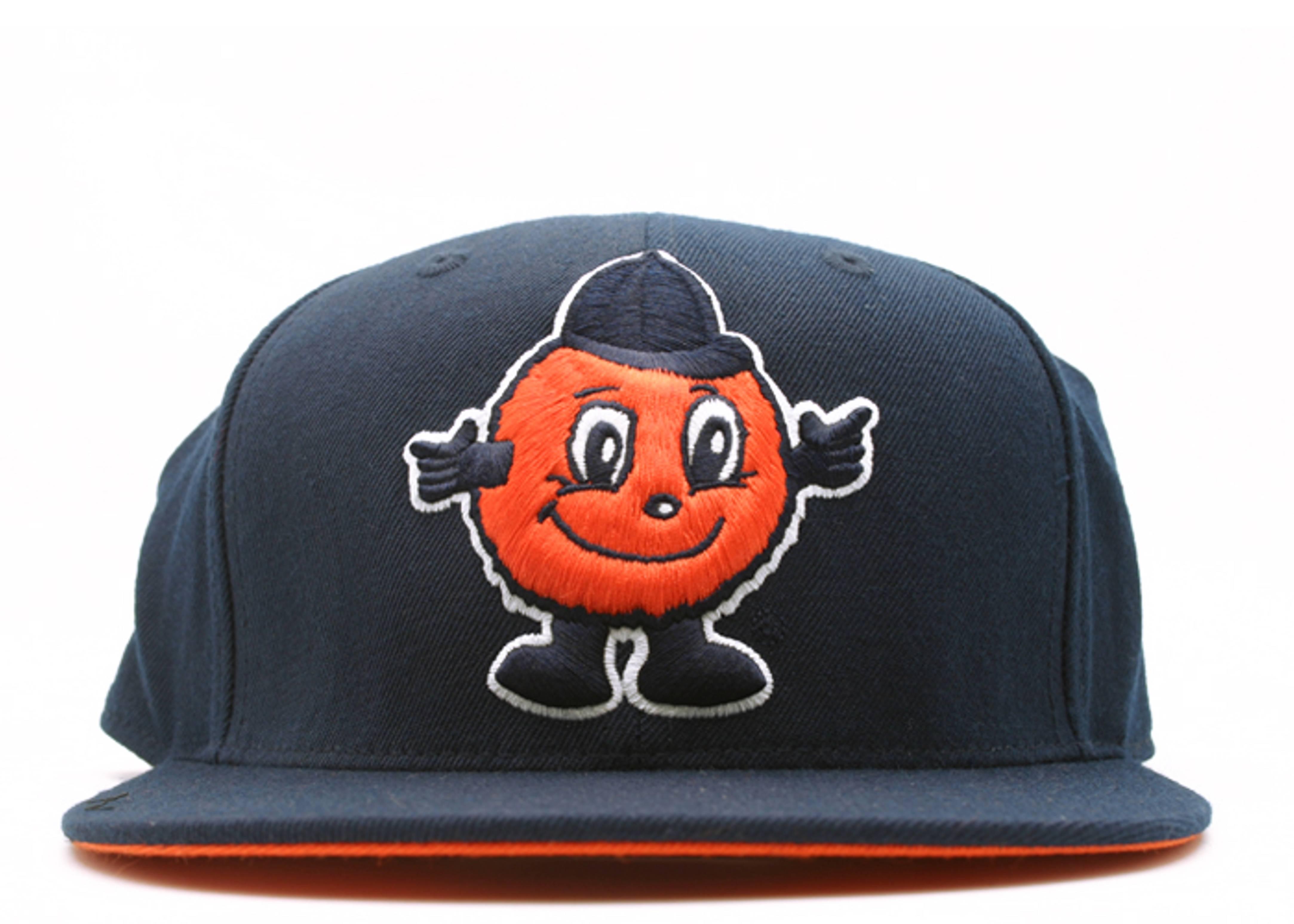 "syracuse orangemen fitted ""ncaa xl logo"""