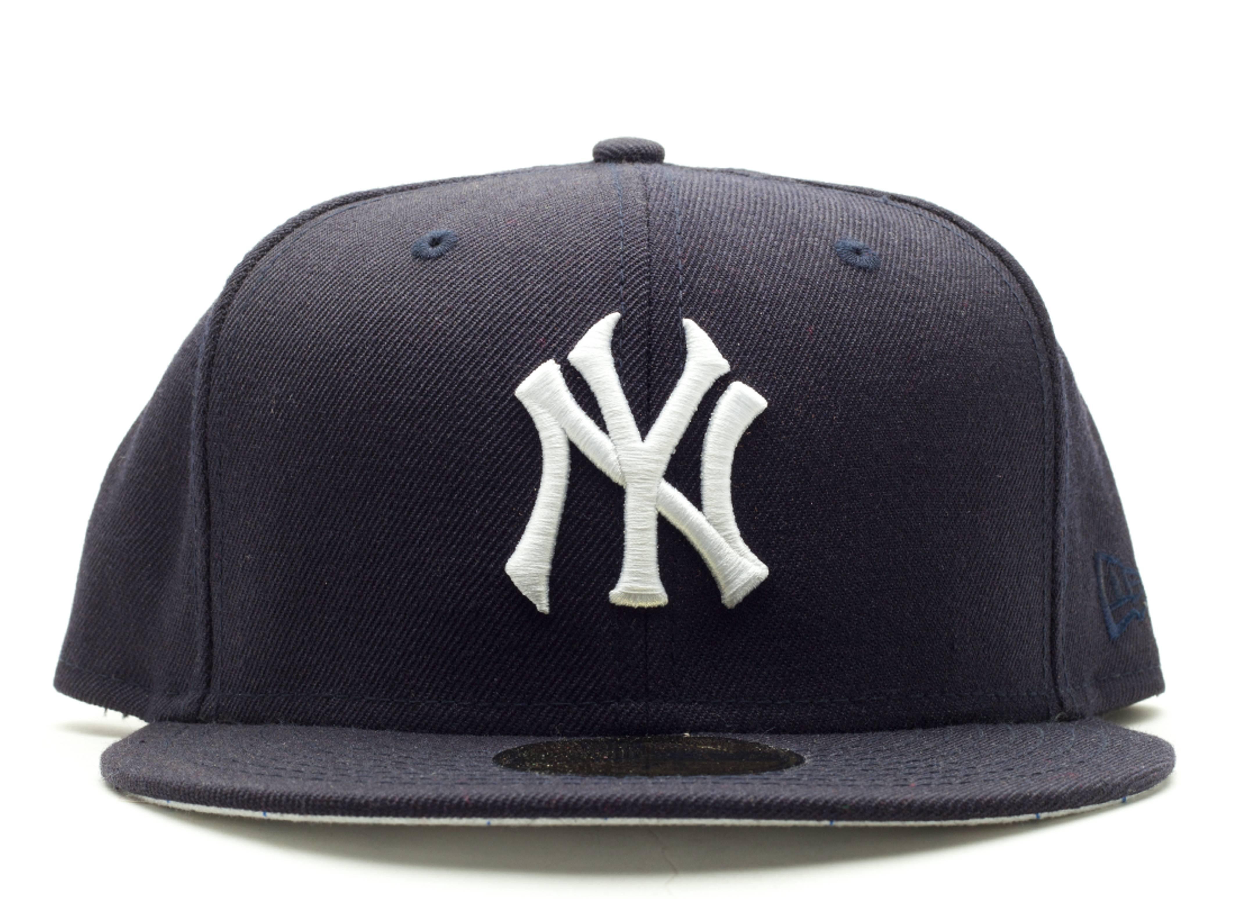 "new york yankees fitted ""pinstripe bottom"""