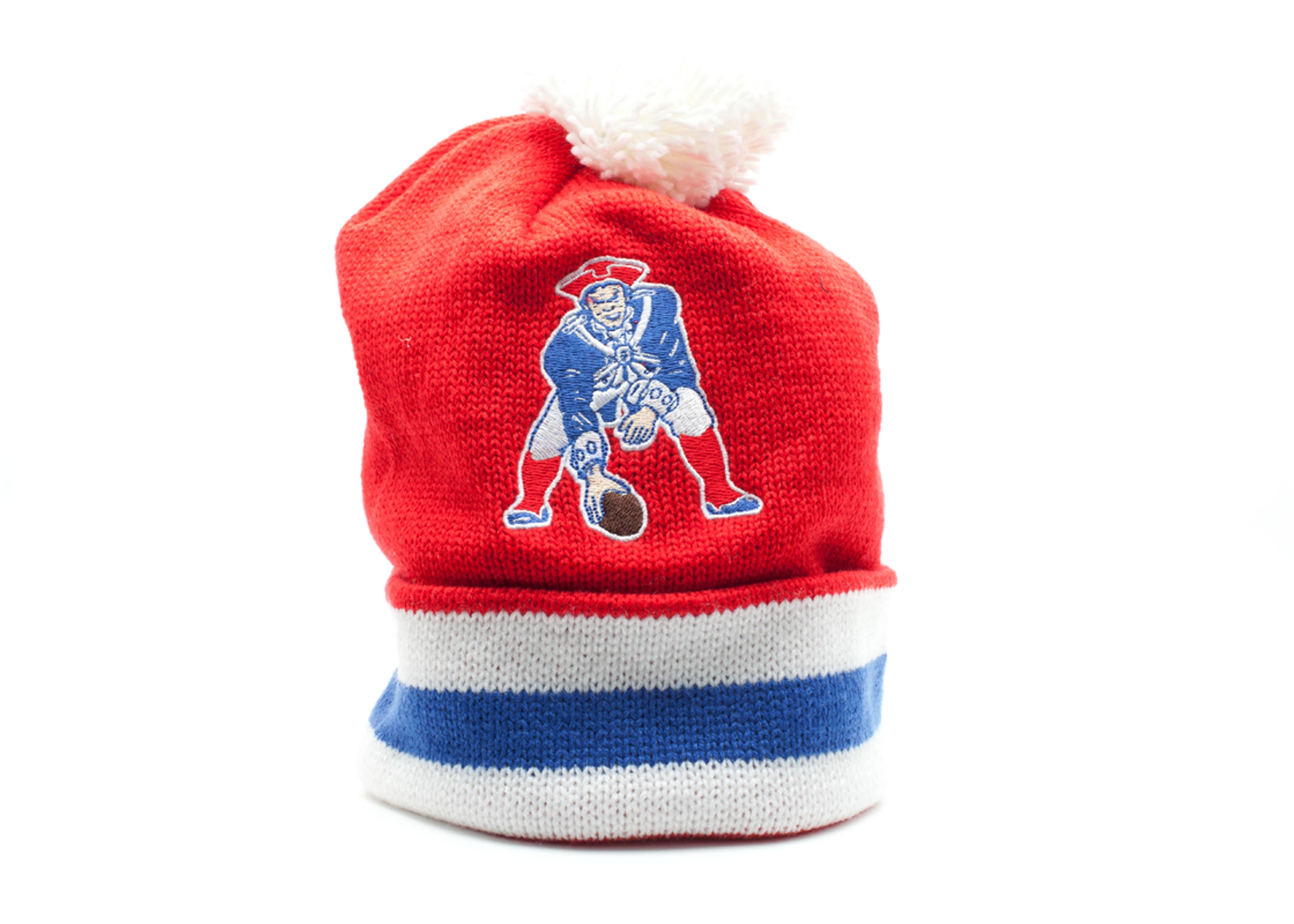 new england patriots cuffed pom knit beanie