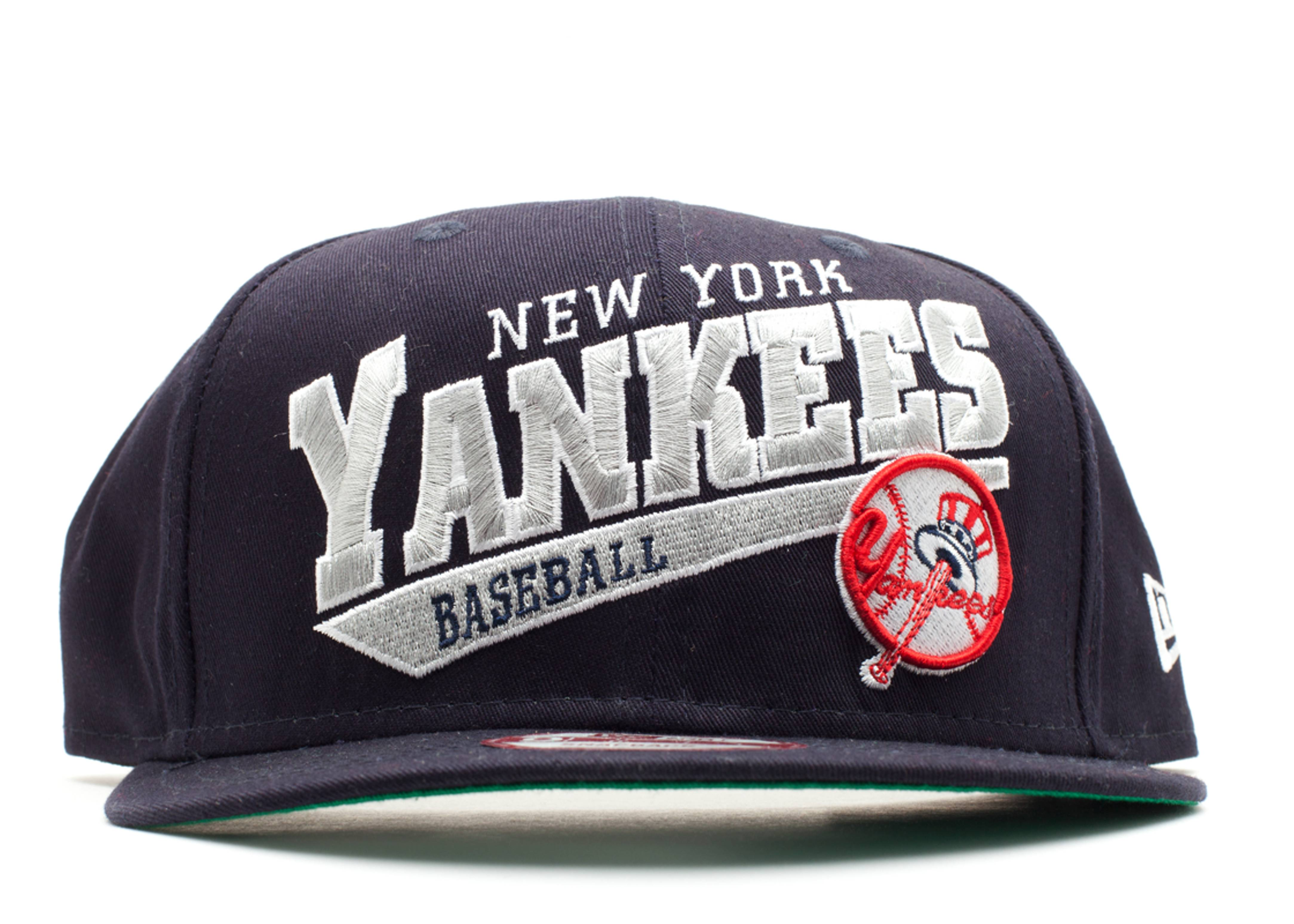 new york yankees skew script snap-back