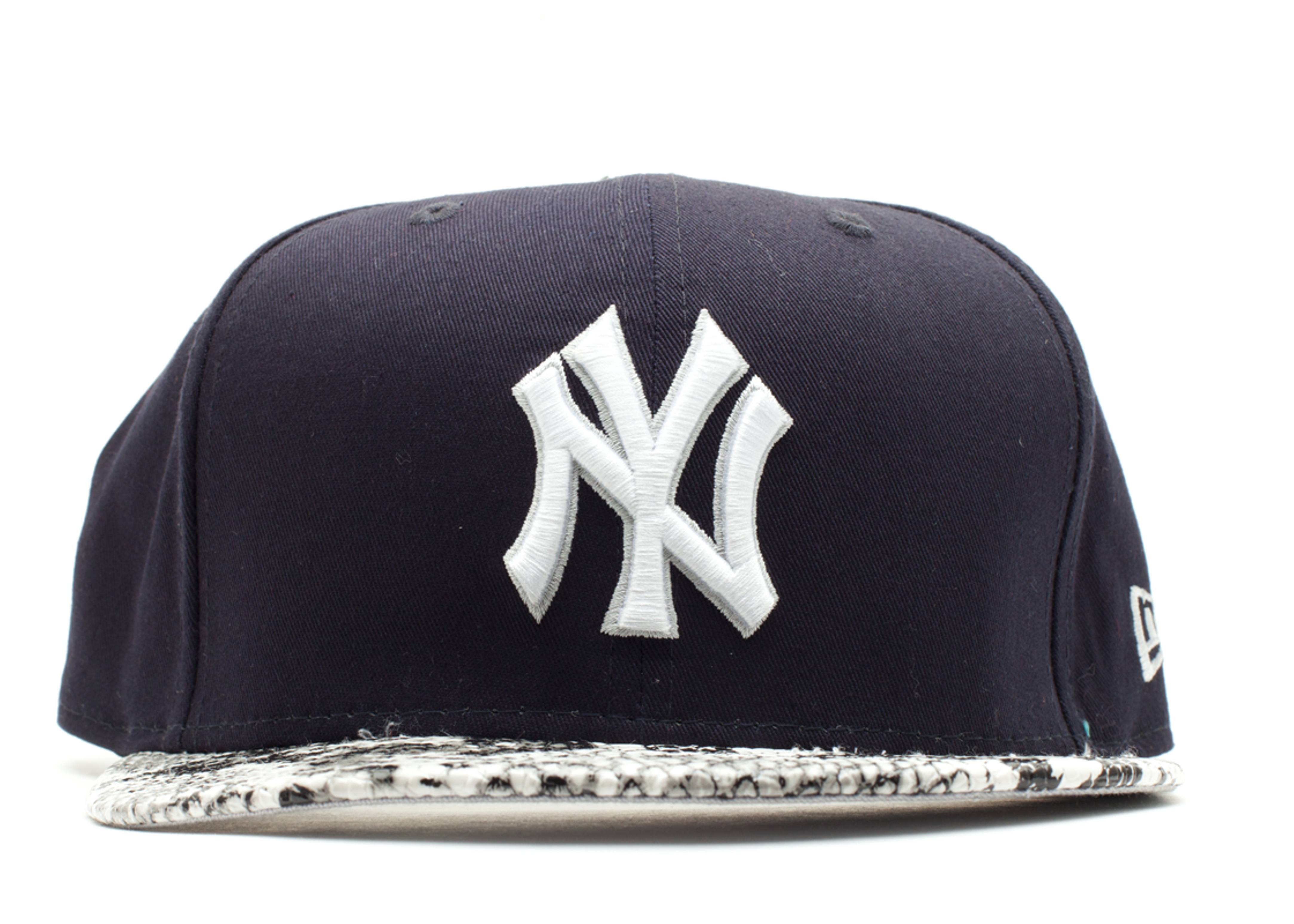 """new york yankees snake snap-back """"snake"""""""