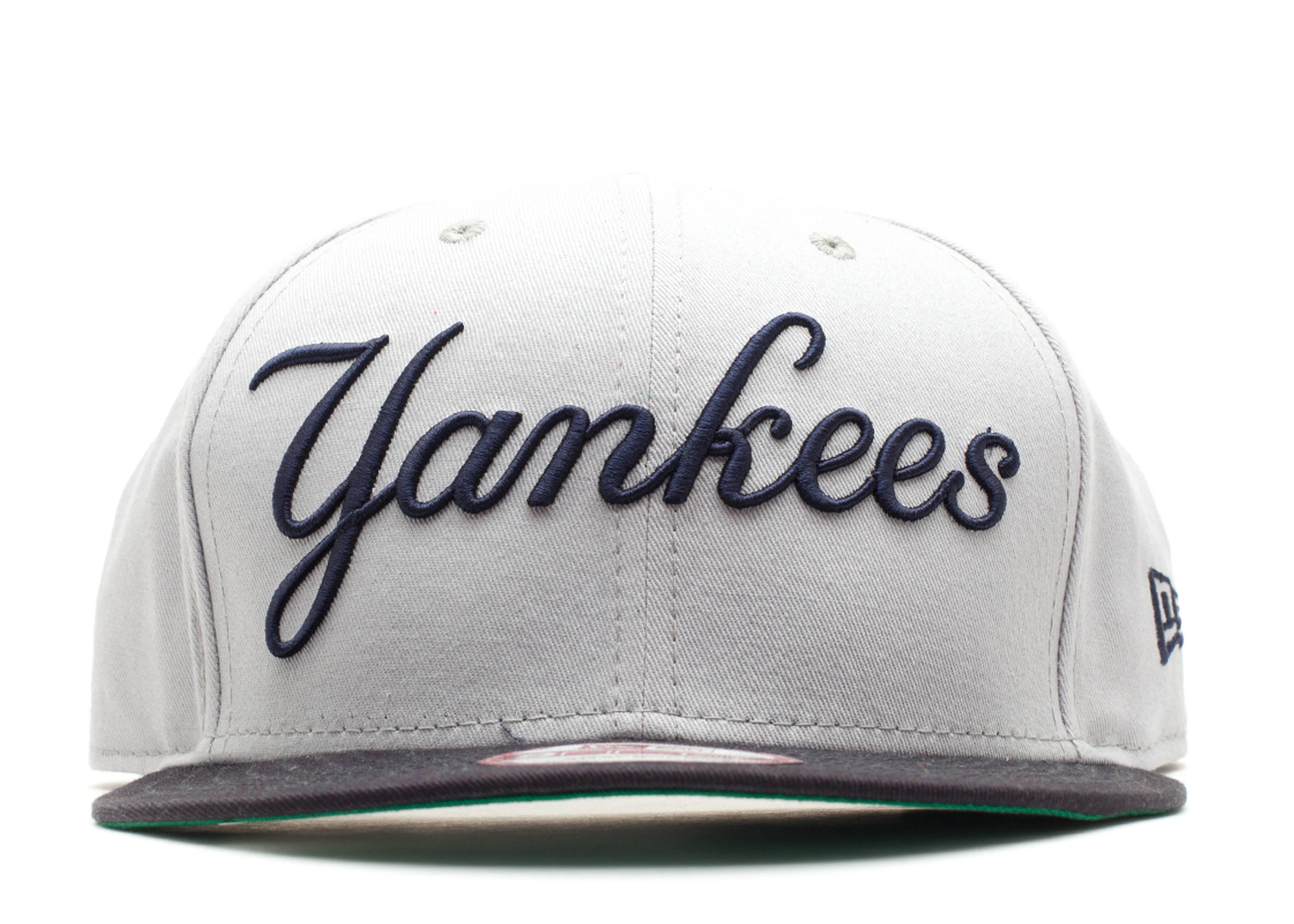 new york yankees reverse snap-back