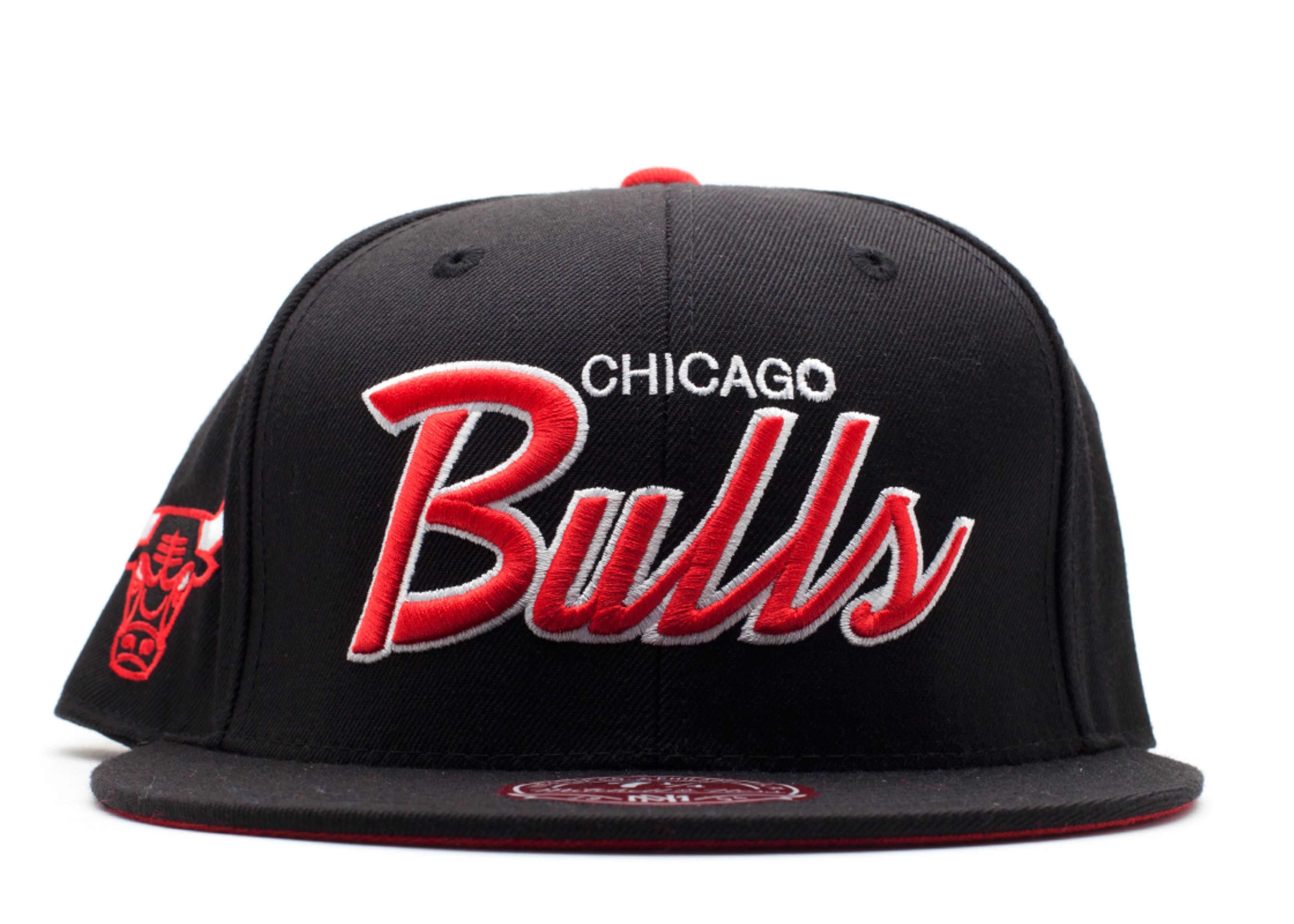 "chicago bulls fitted ""script"""