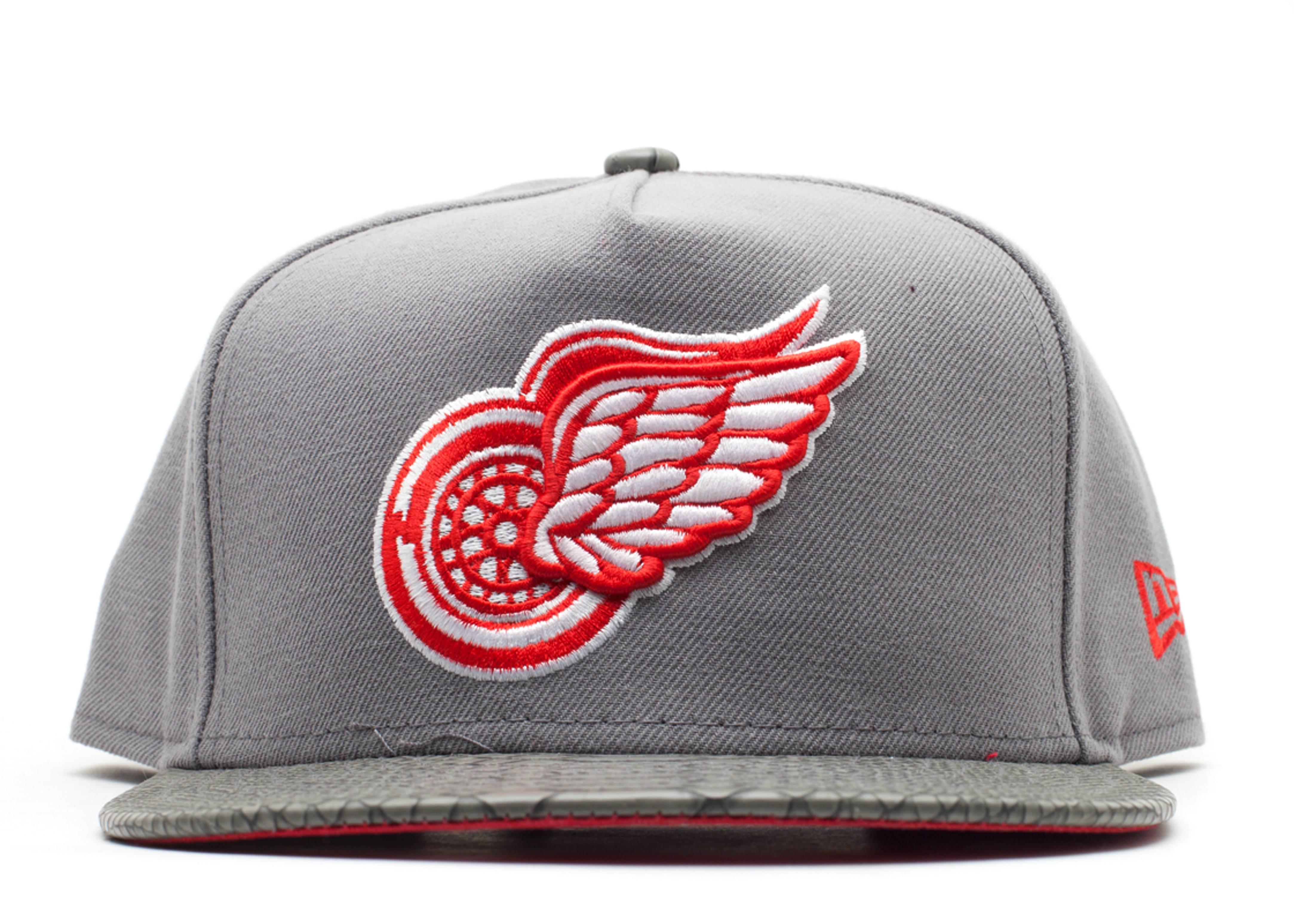 """detroit red wings strap-back """"snake"""""""