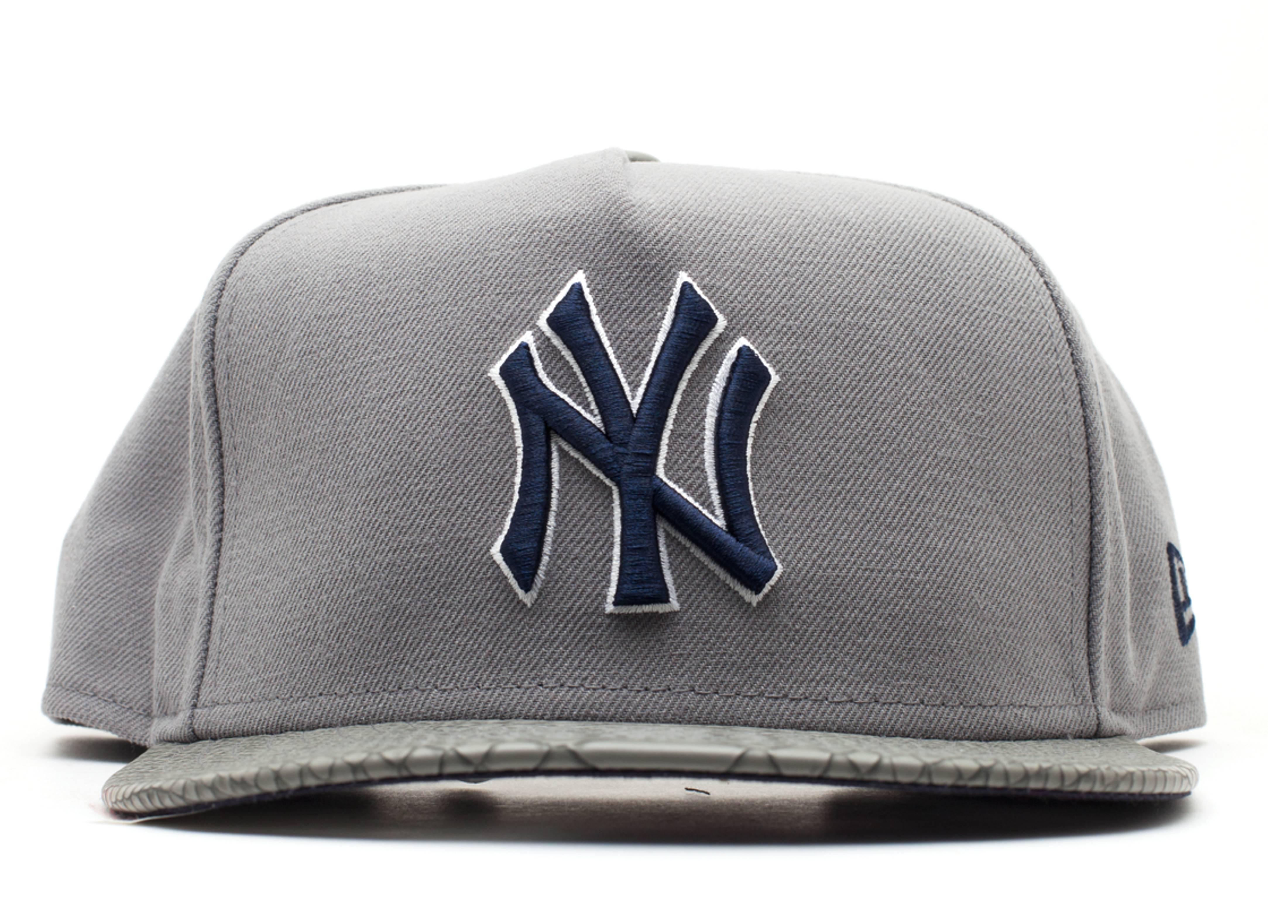 """new york yankees strap-back """"snake"""""""