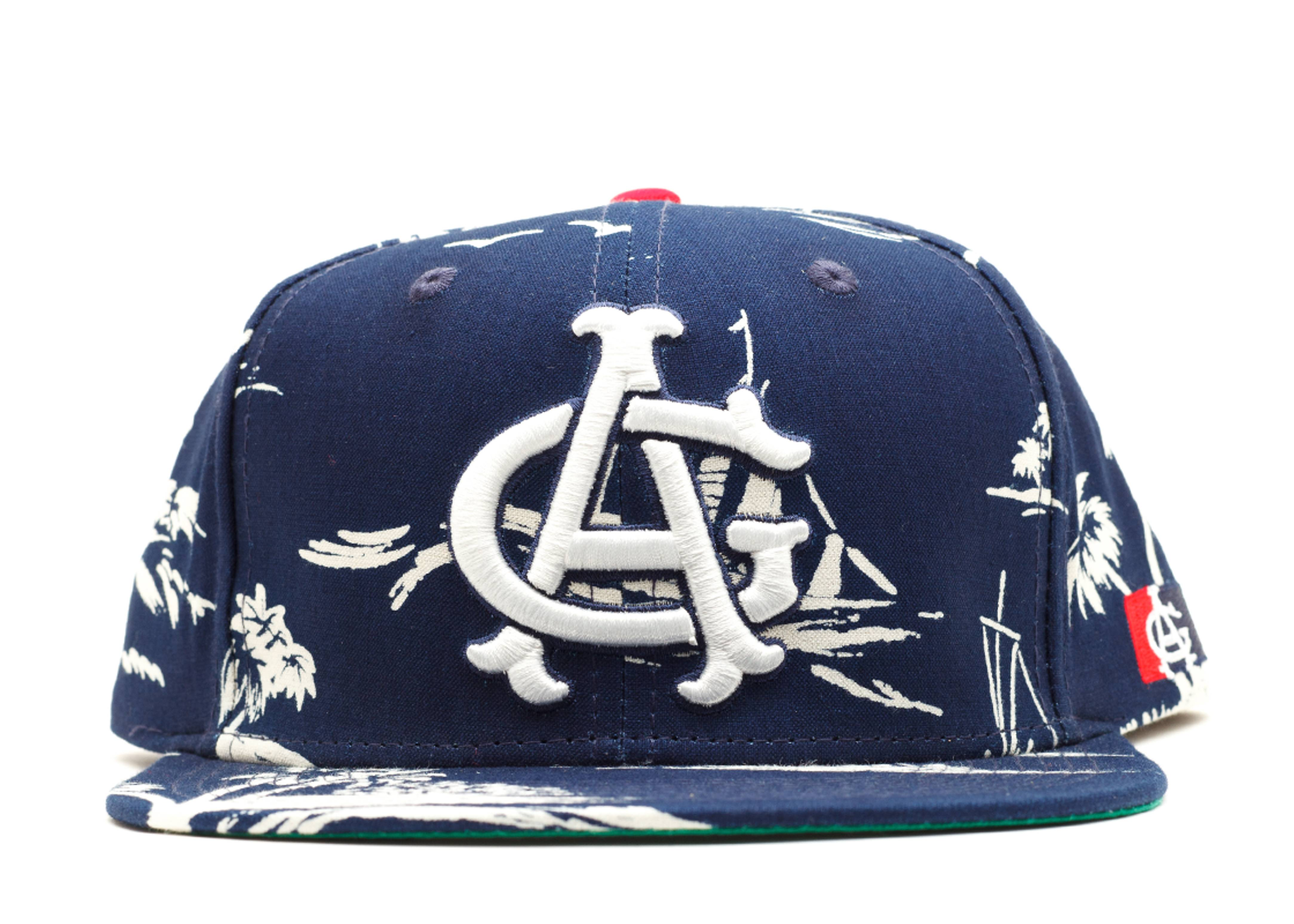 smooth sailing snap-back