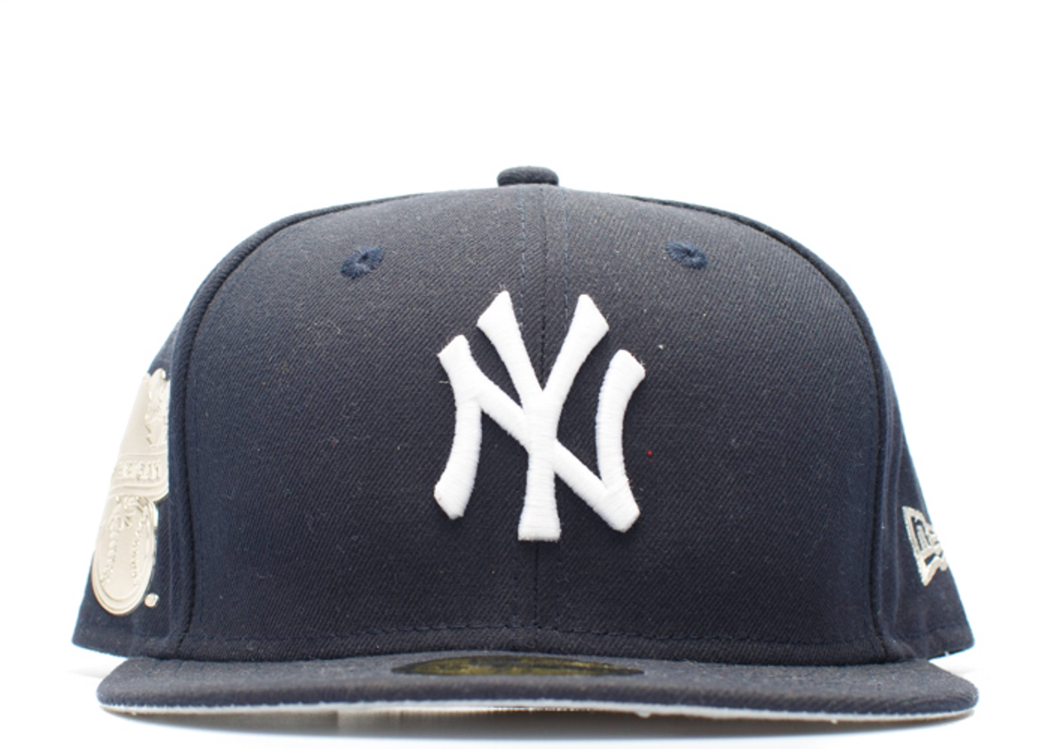 """new york yankees fitted """"metallic side patch"""""""