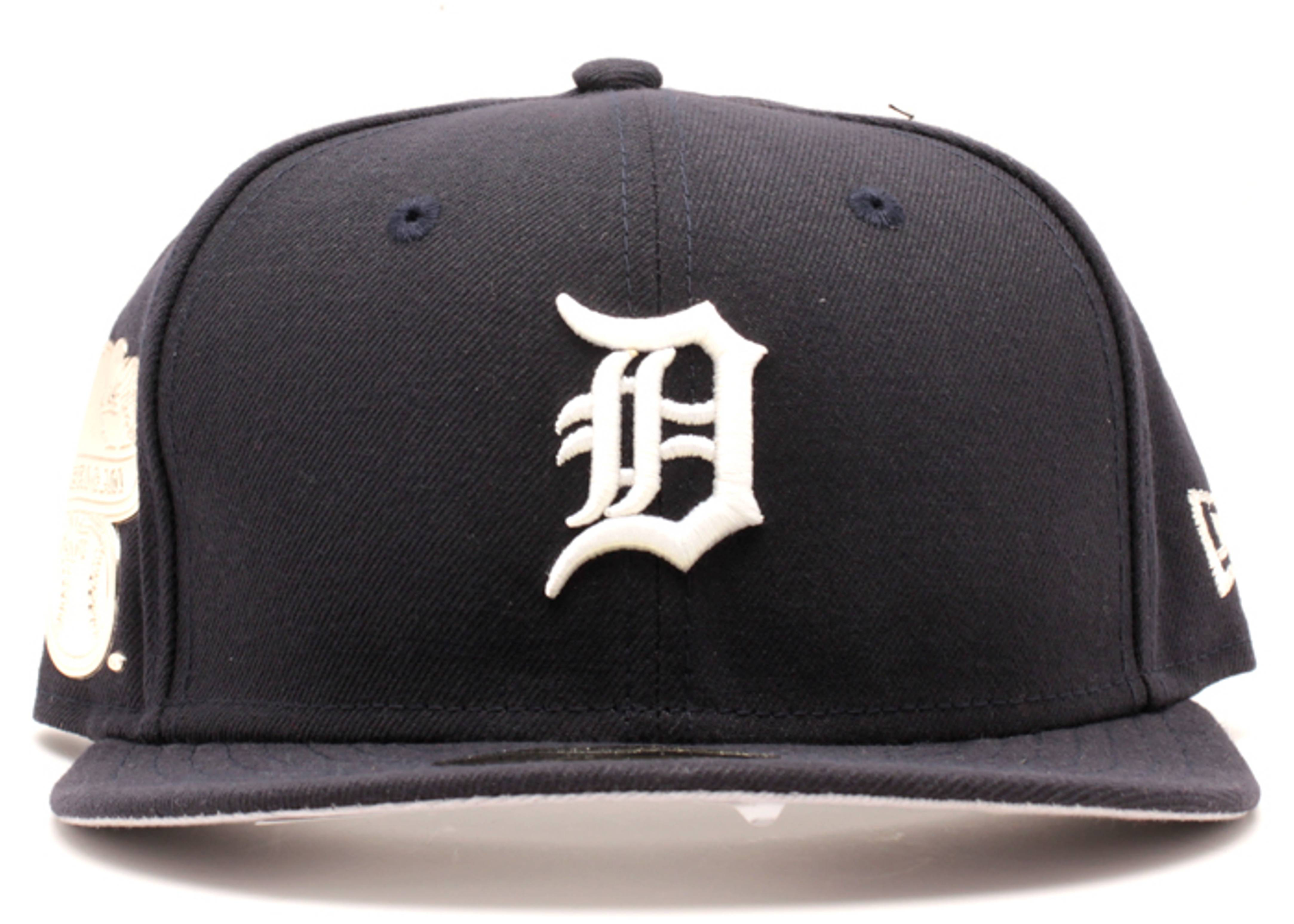 "detriot tigers fitted ""metallic side patch"""