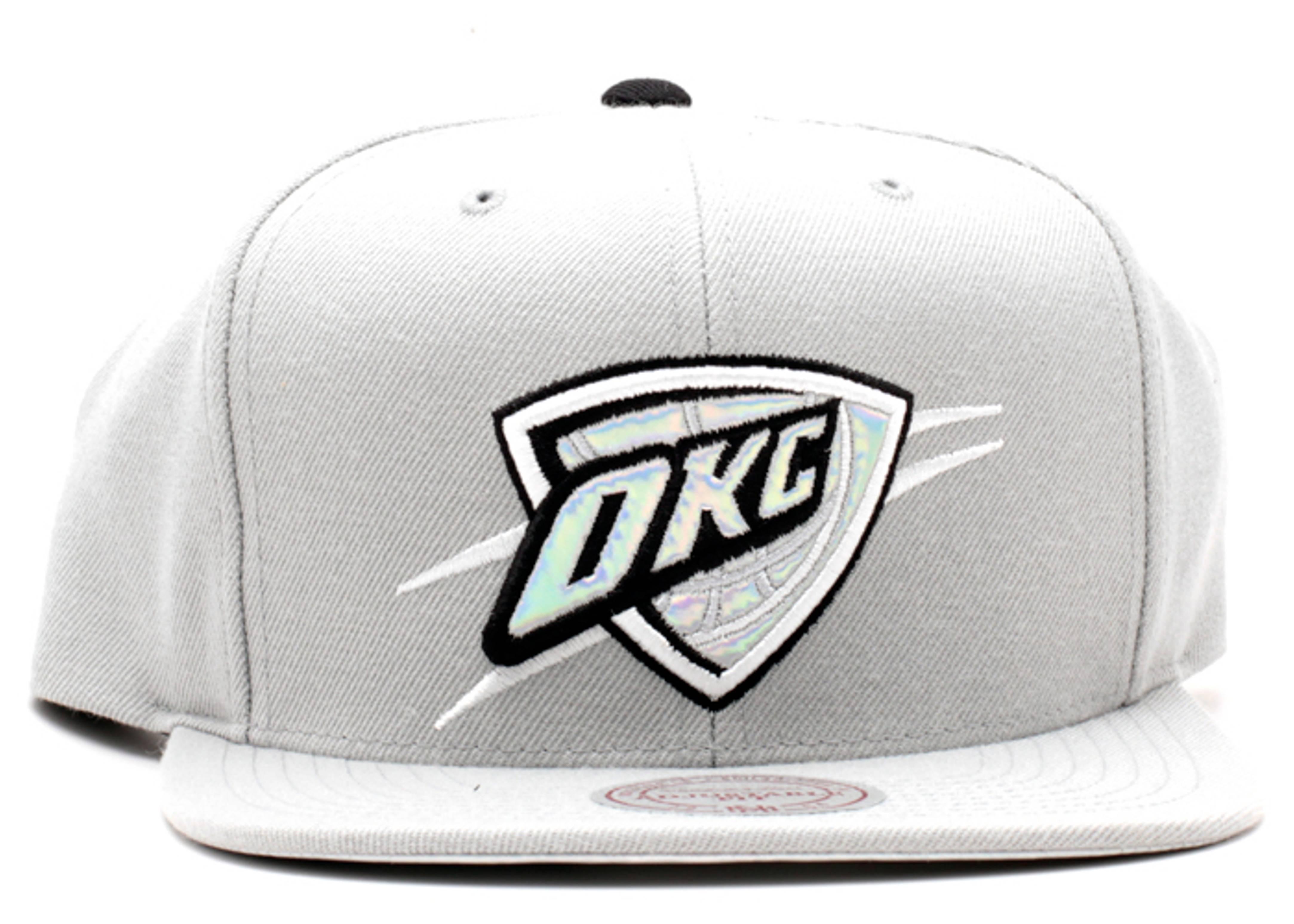 """oklahoma city thunder snap-back """"iridescent"""""""