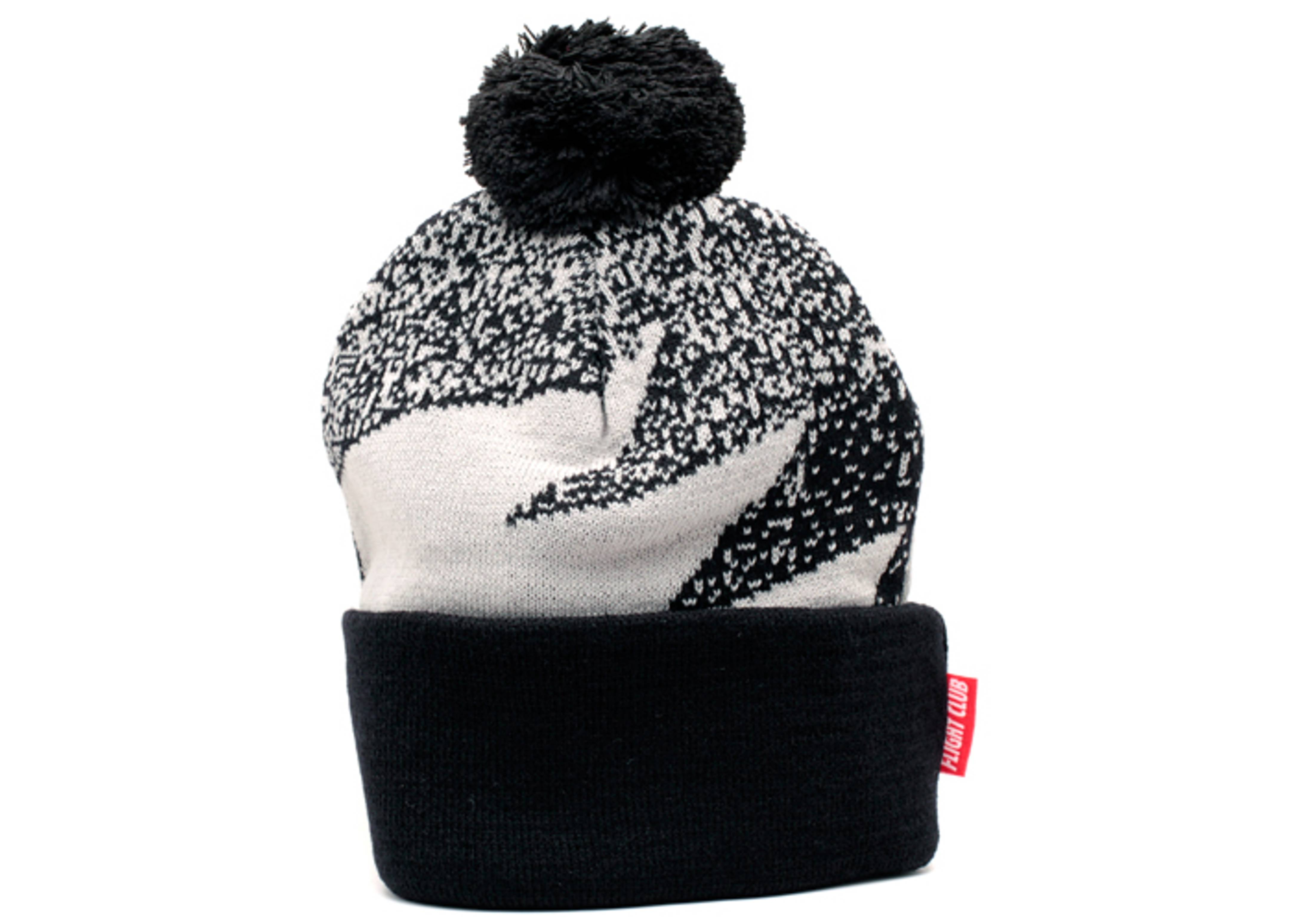 stipple cuffed pom knit beanie