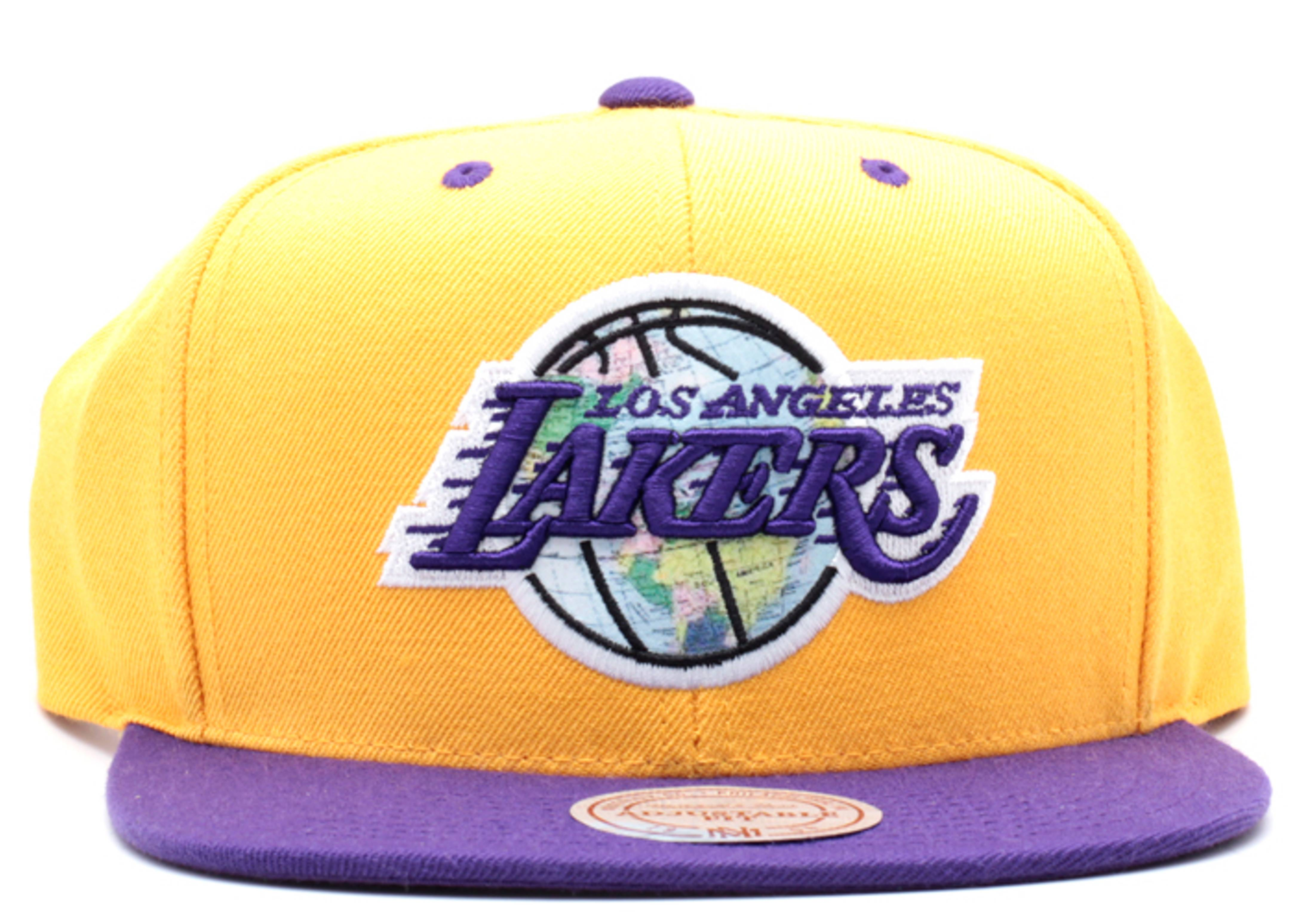"los angeles lakers snap-back ""world tour"""