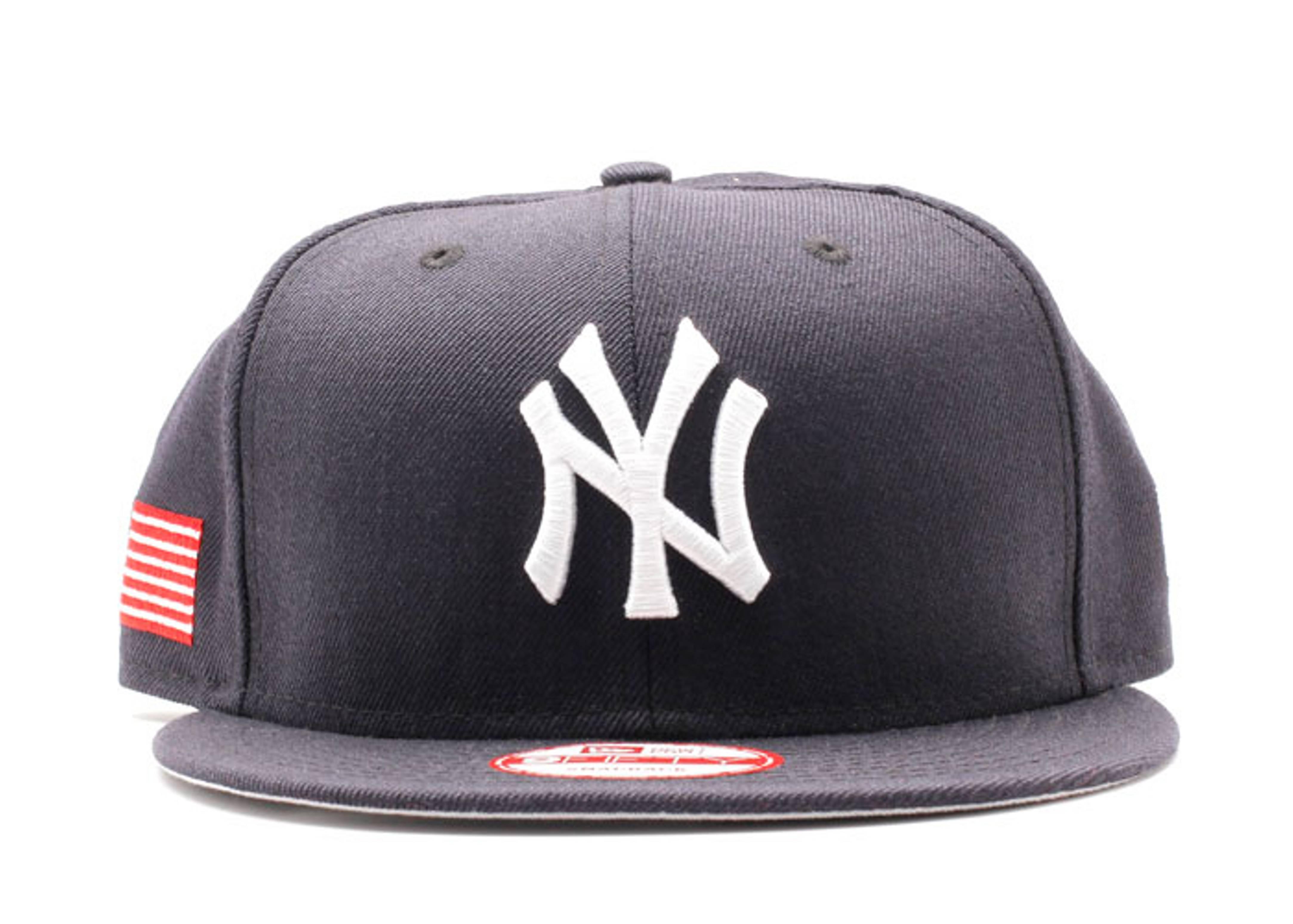 "new york yankees snap-back ""u.s flag"""