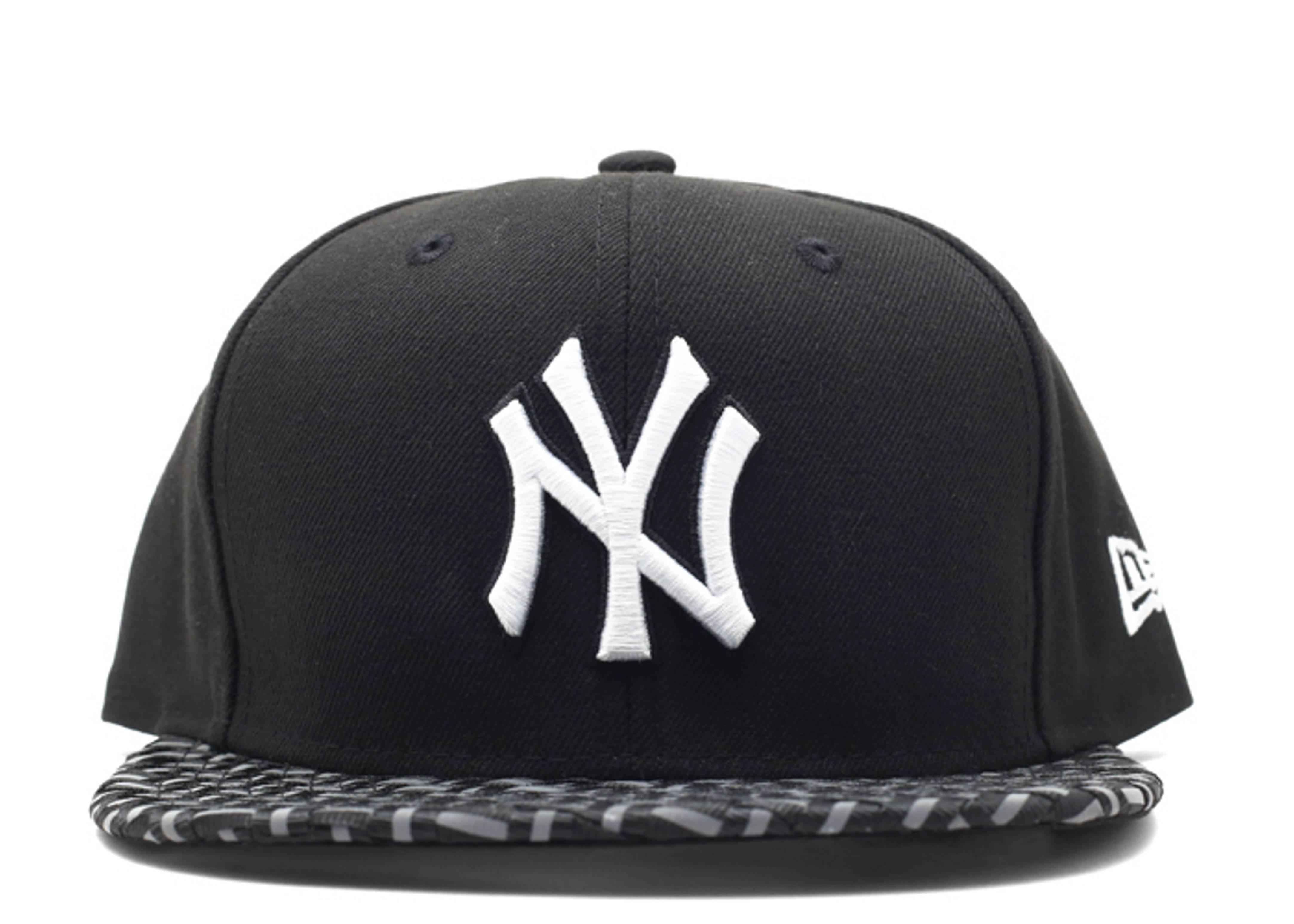 "new york yankees snap-back ""3m brim"""