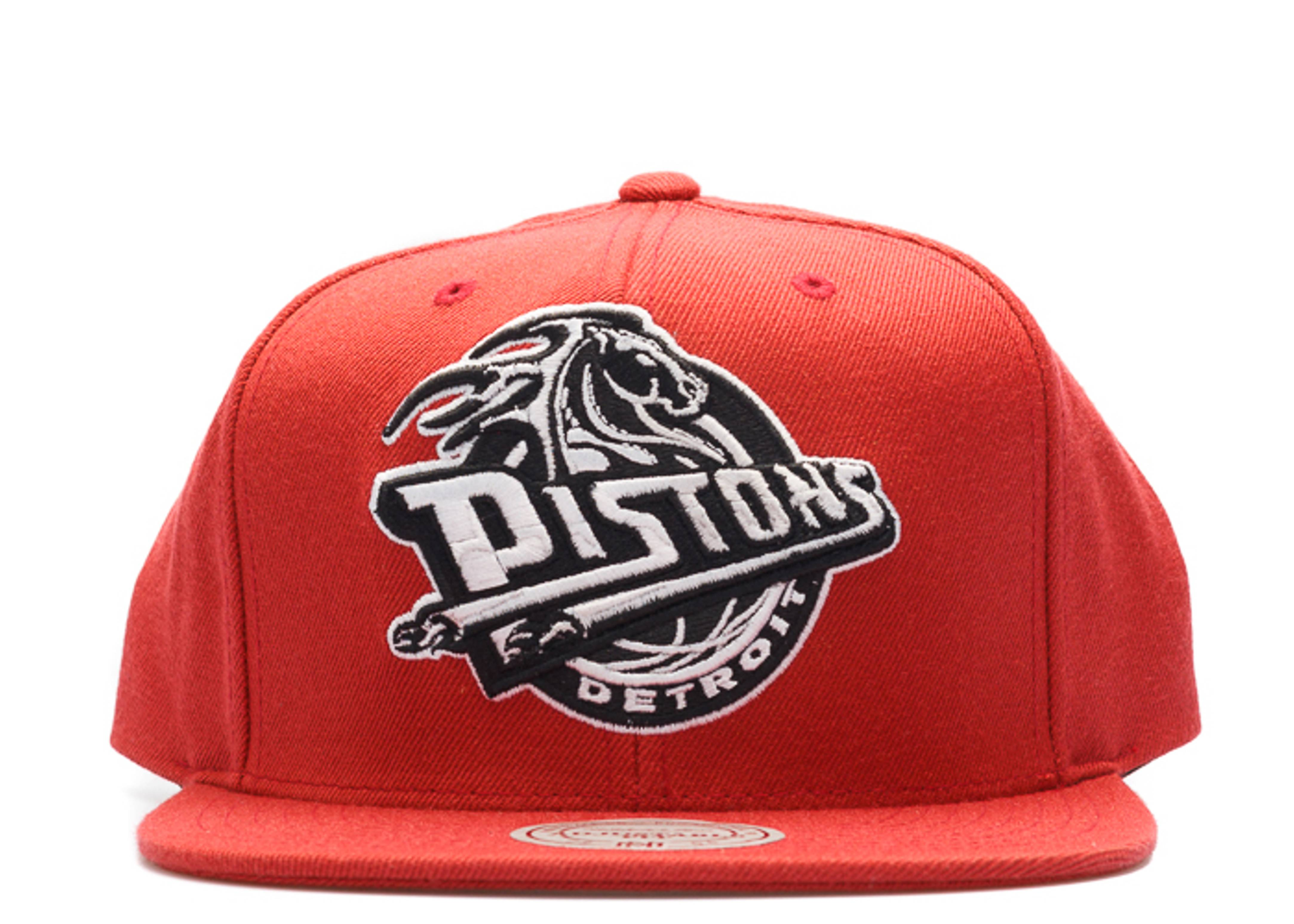 detroit pistons snap-back