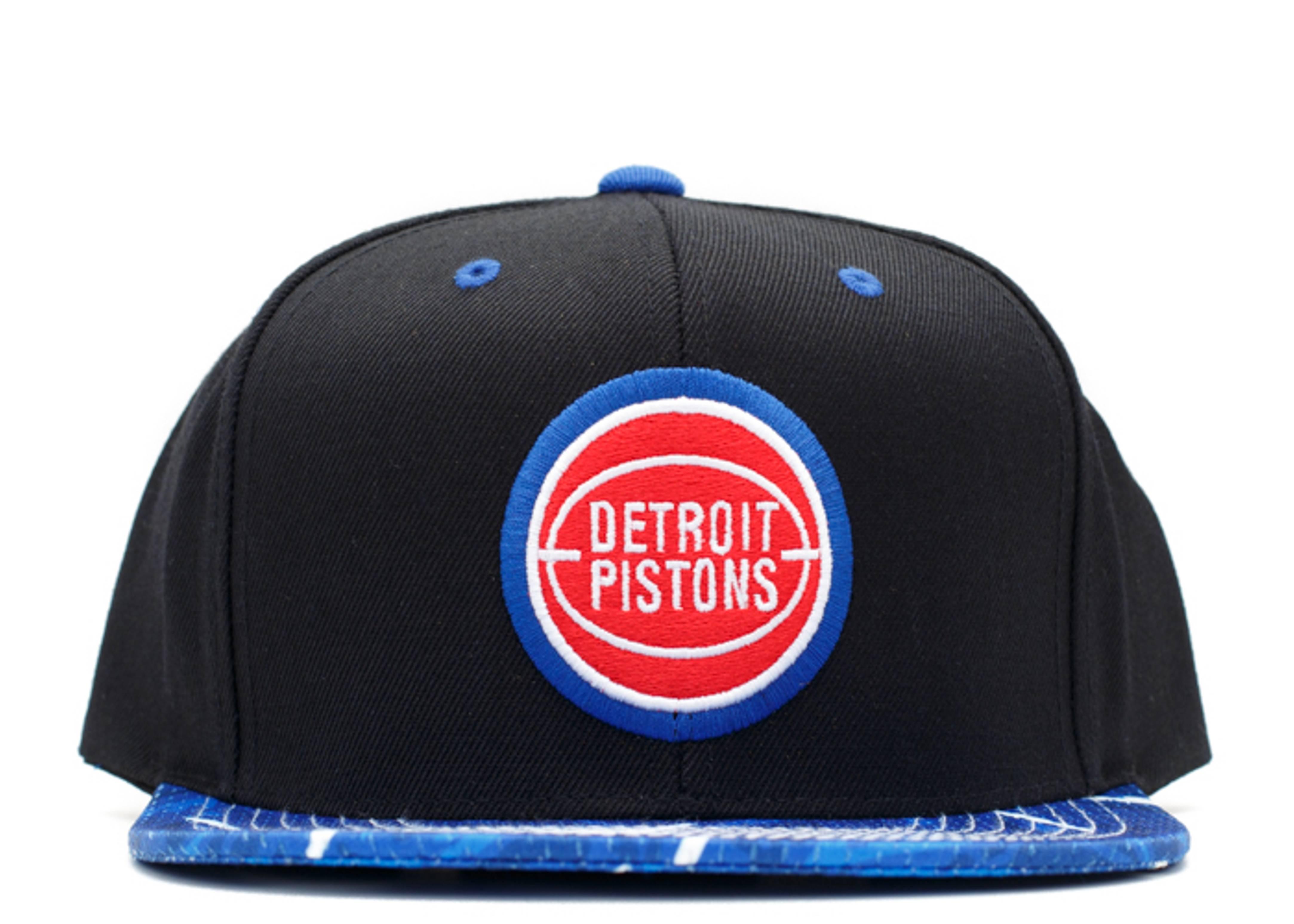 detroit pistons snap-back