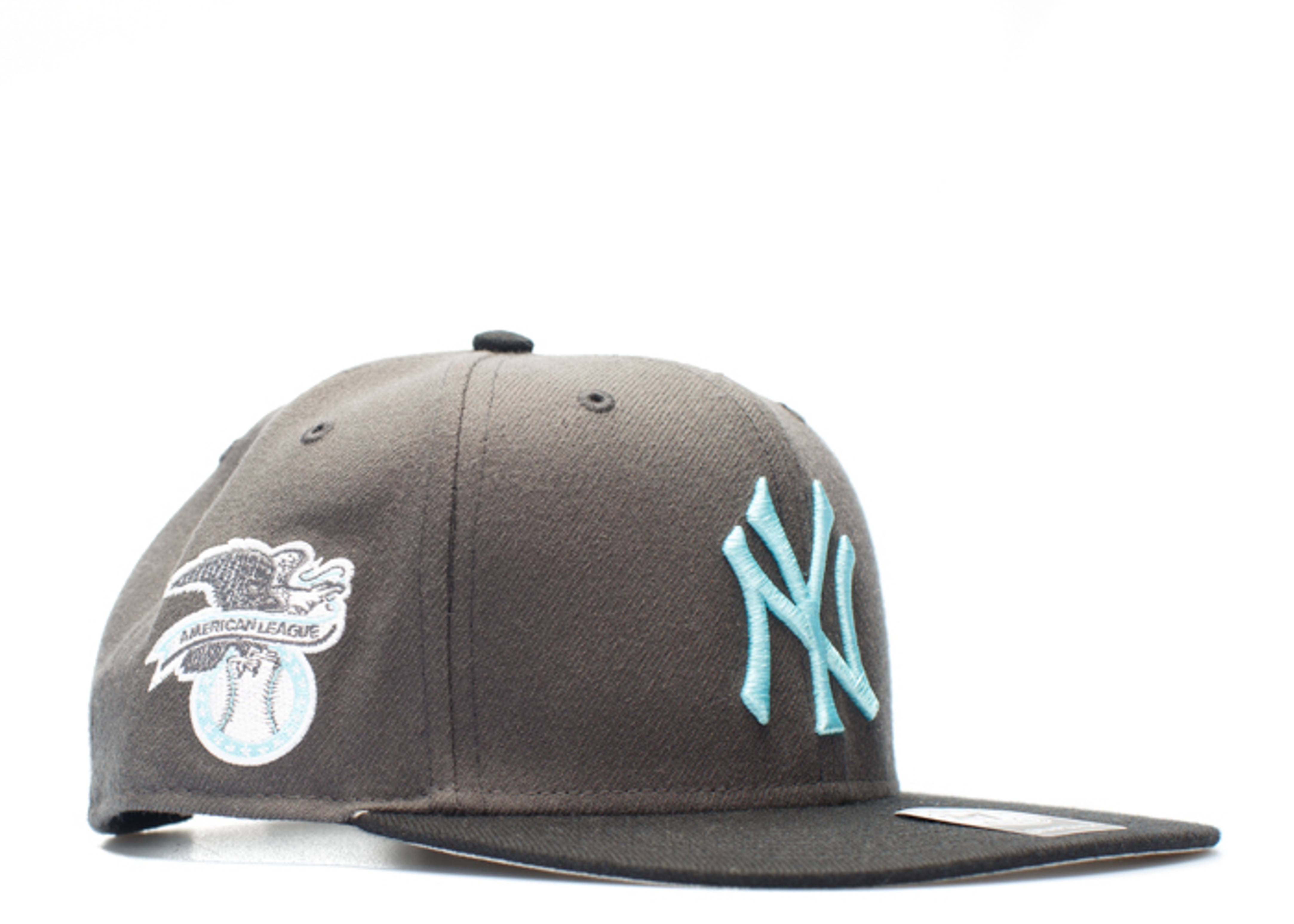 "new york yankee snap-back ""american league side patch"""