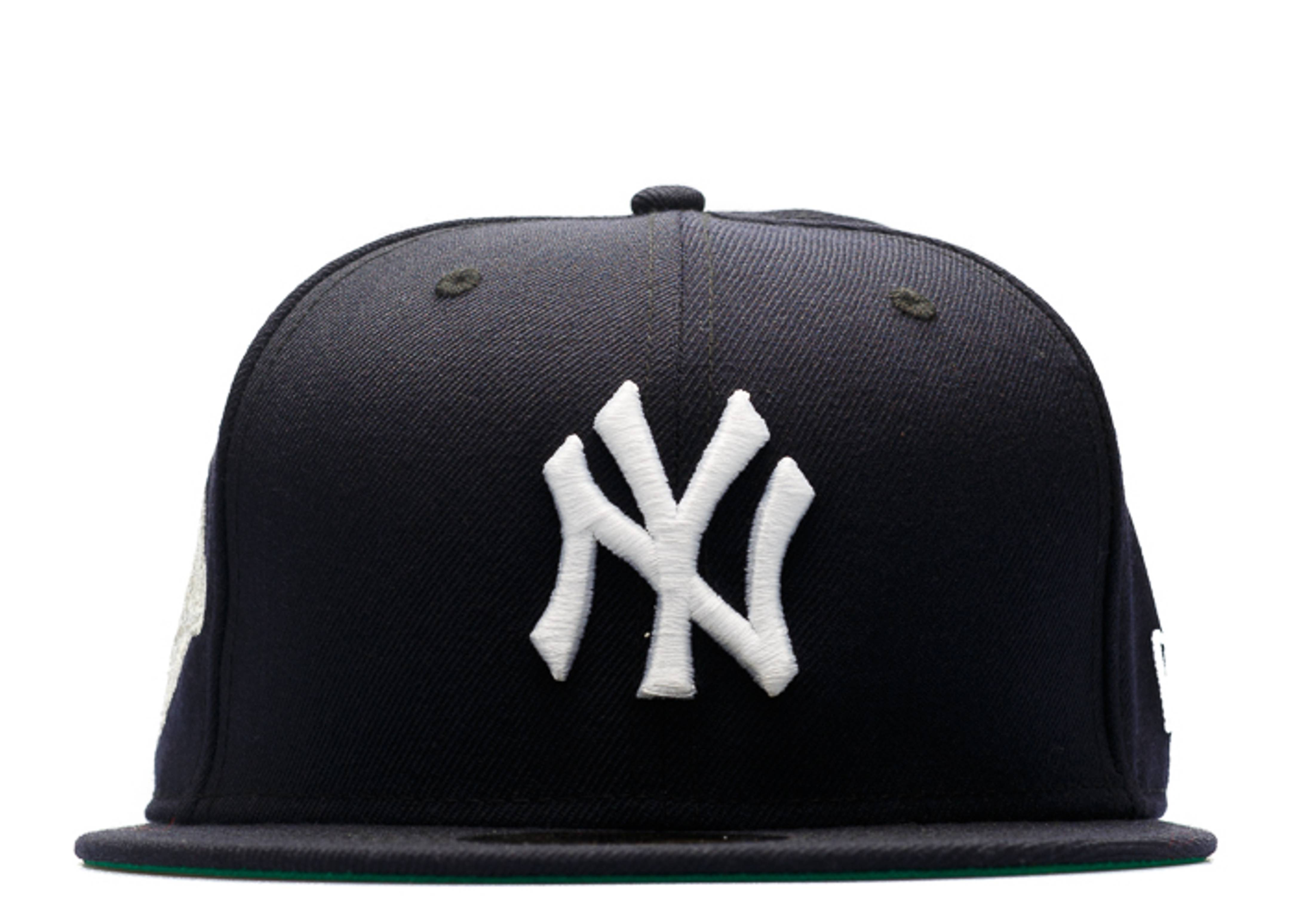"new york yankees fitted ""1996 world series metallic silver patch"""