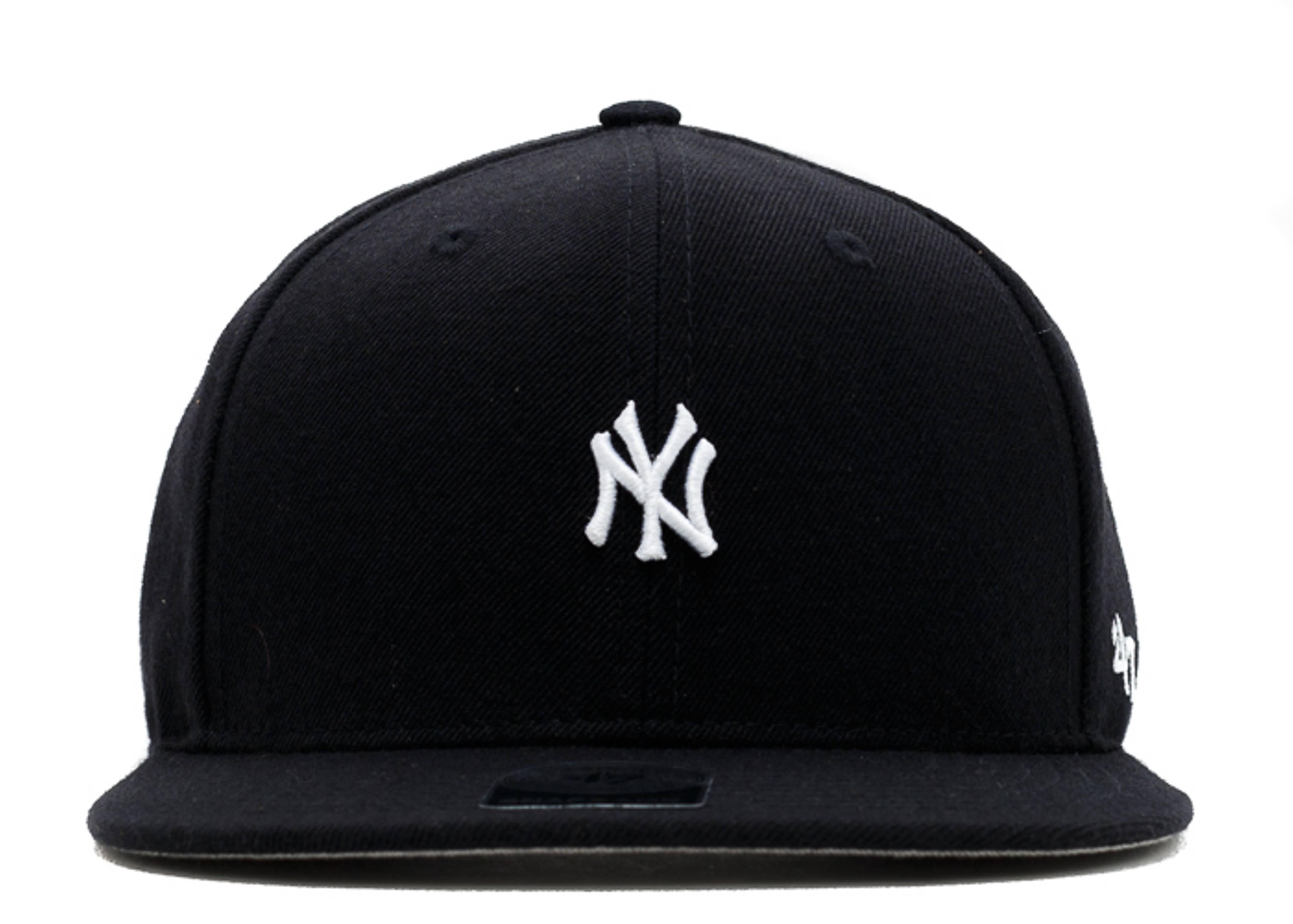 "new york yankee snap-back ""mini logo"""