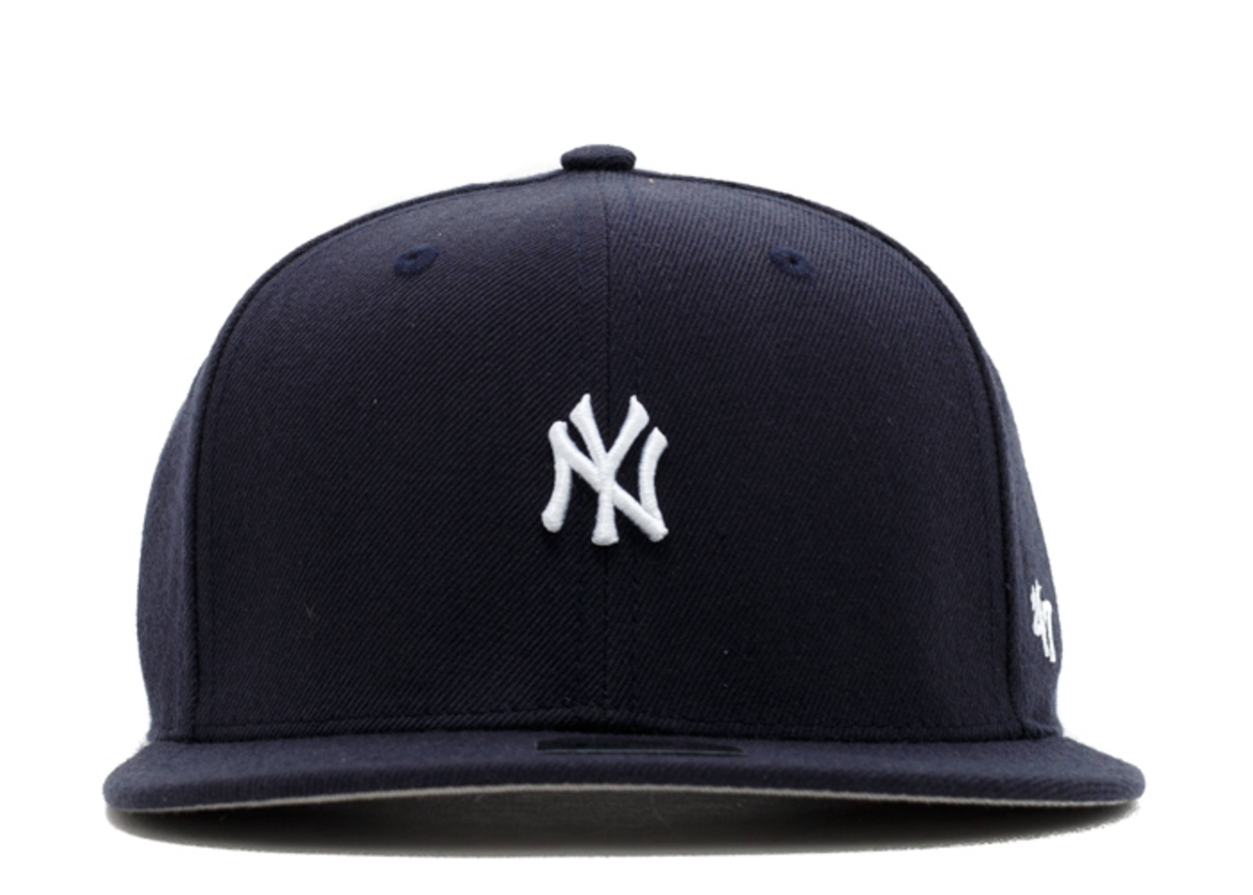 "new york yankee snap-back ""mini logo"""