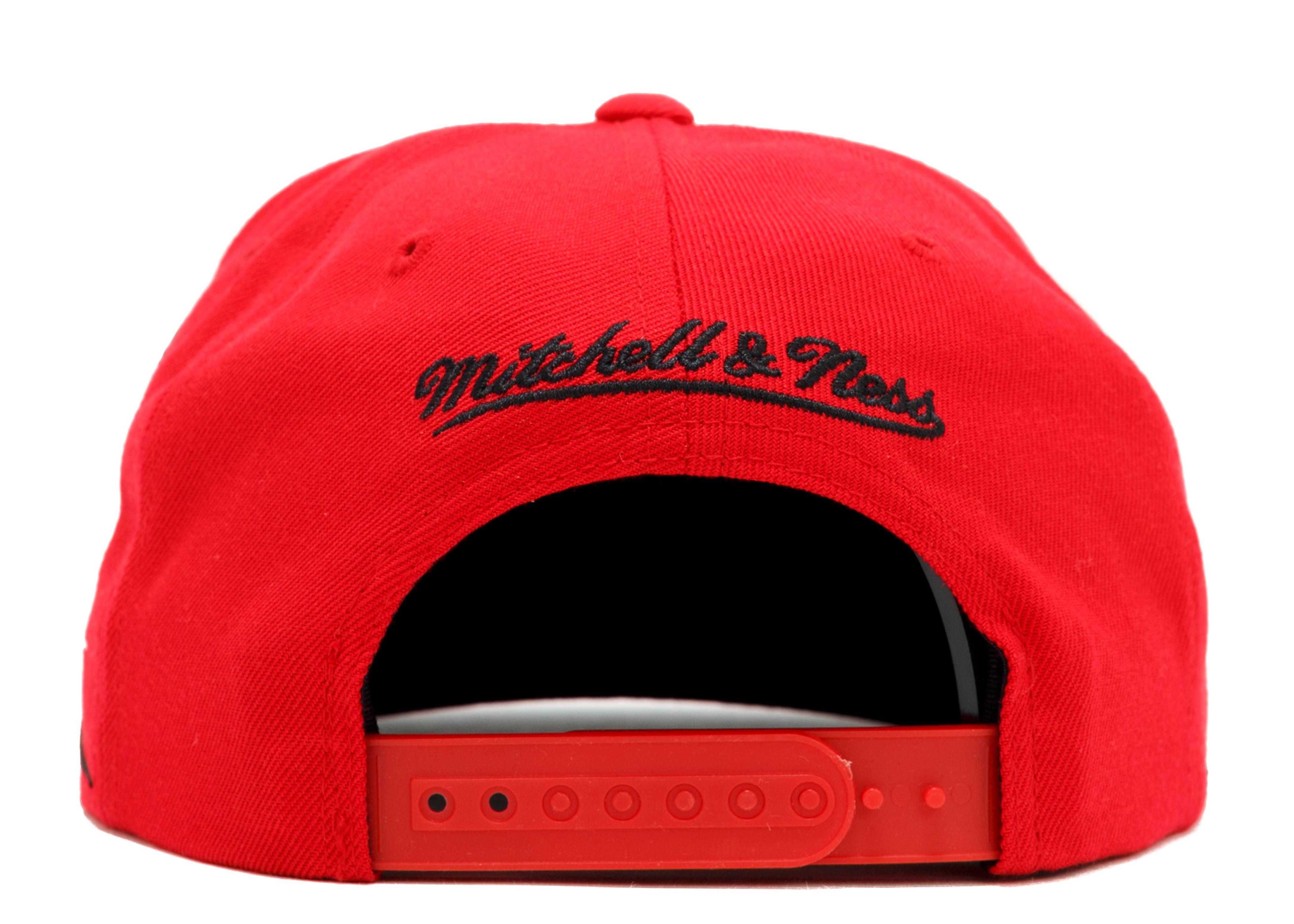 promo code 1e713 146ad Chicago Blackhawks Diamond Snap-back - Mitchell   Ness - vr10mtc7hawks - red black-white    Flight Club