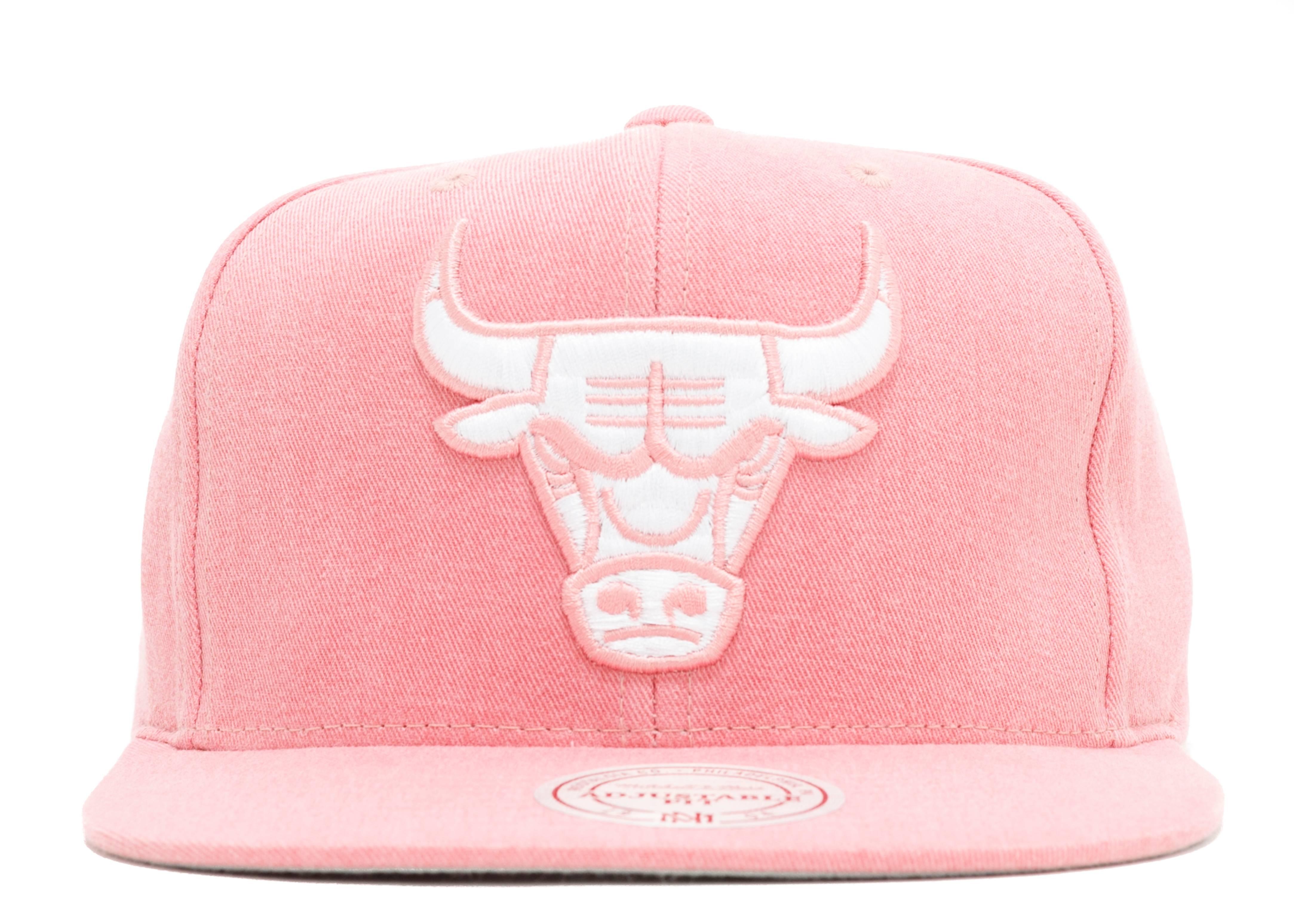 Chicago Bulls Slub Cotton Snap-back - Mitchell   Ness - vr11fas5bulls - pink white   d9d03f274d8