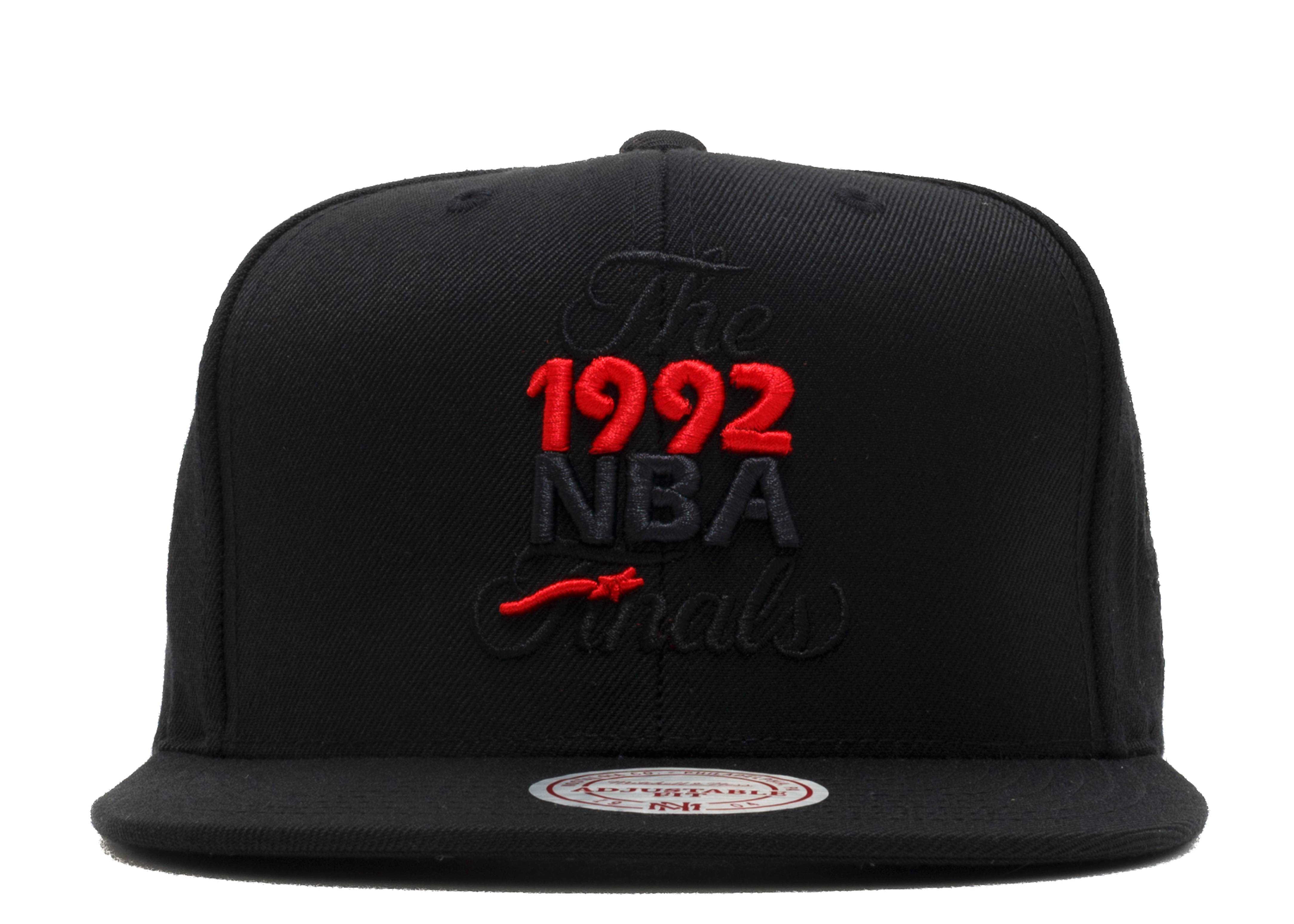 "chicago bulls snap-back ""1992 nba finals"""