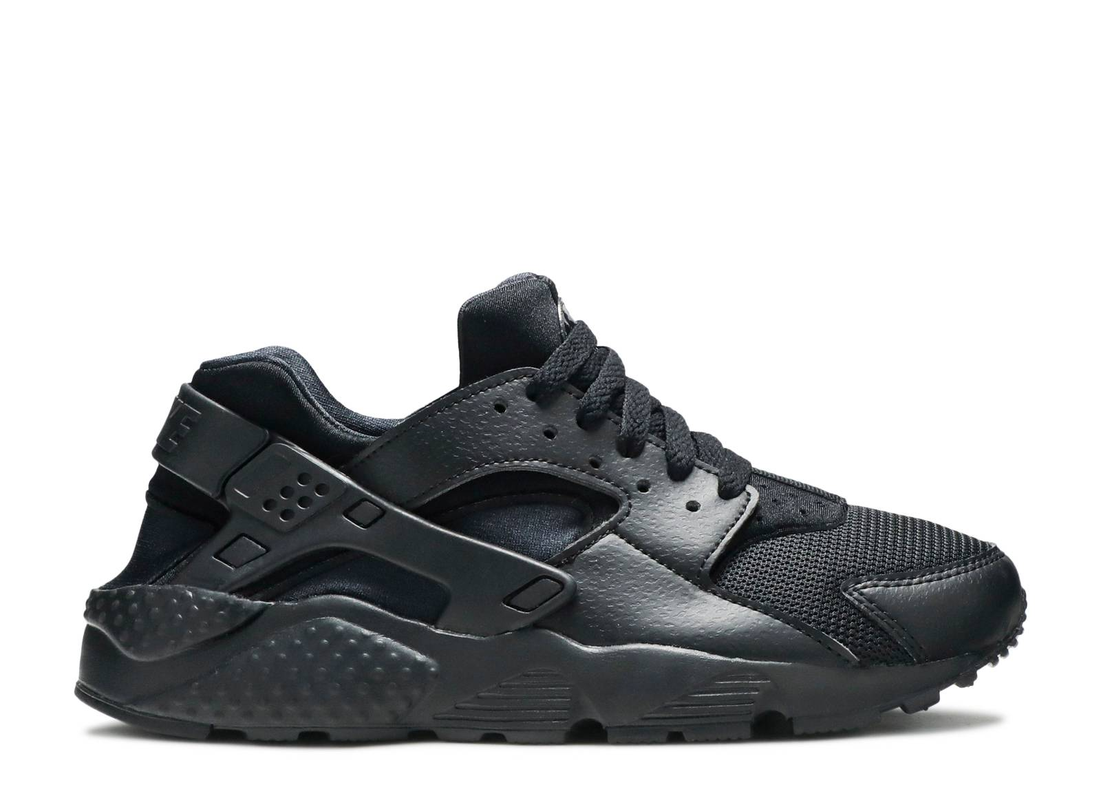 "huarache run (gs) ""triple black"""