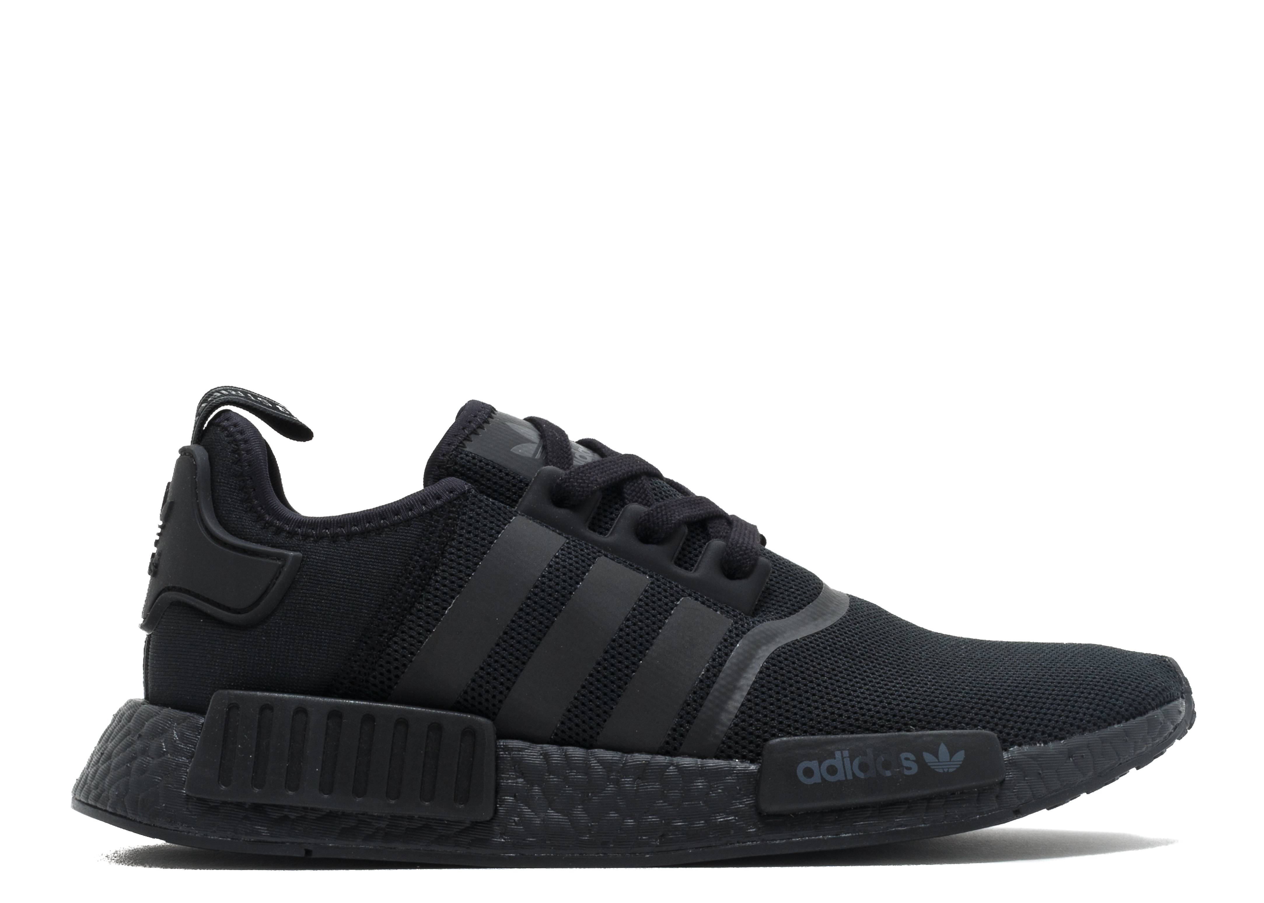 "nmd r1 ""triple black"""
