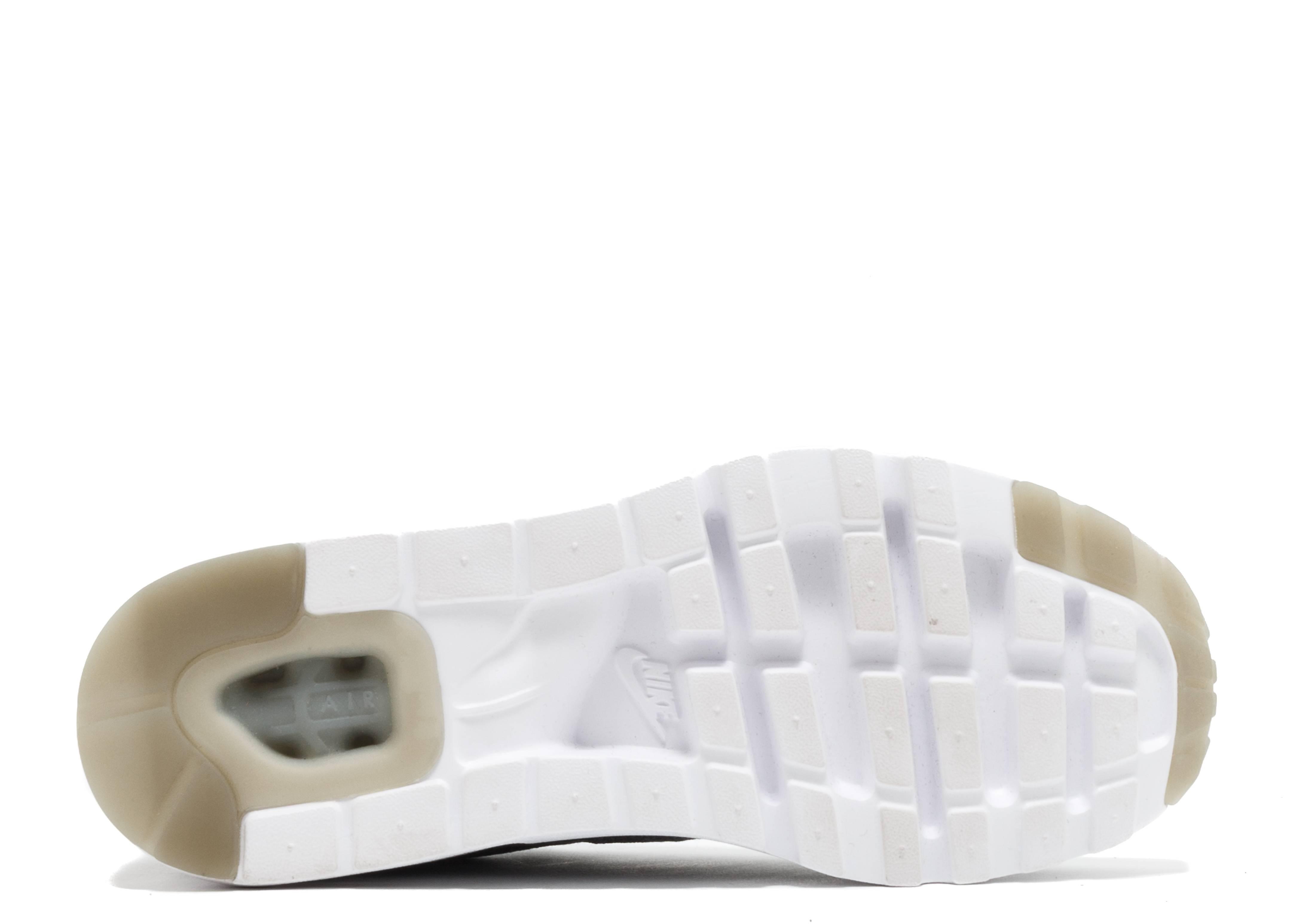3be700f4fde Air Max 1 Ultra Flyknit - Nike - 843384 001 - wolf grey wlf grey-drk  gry-wht