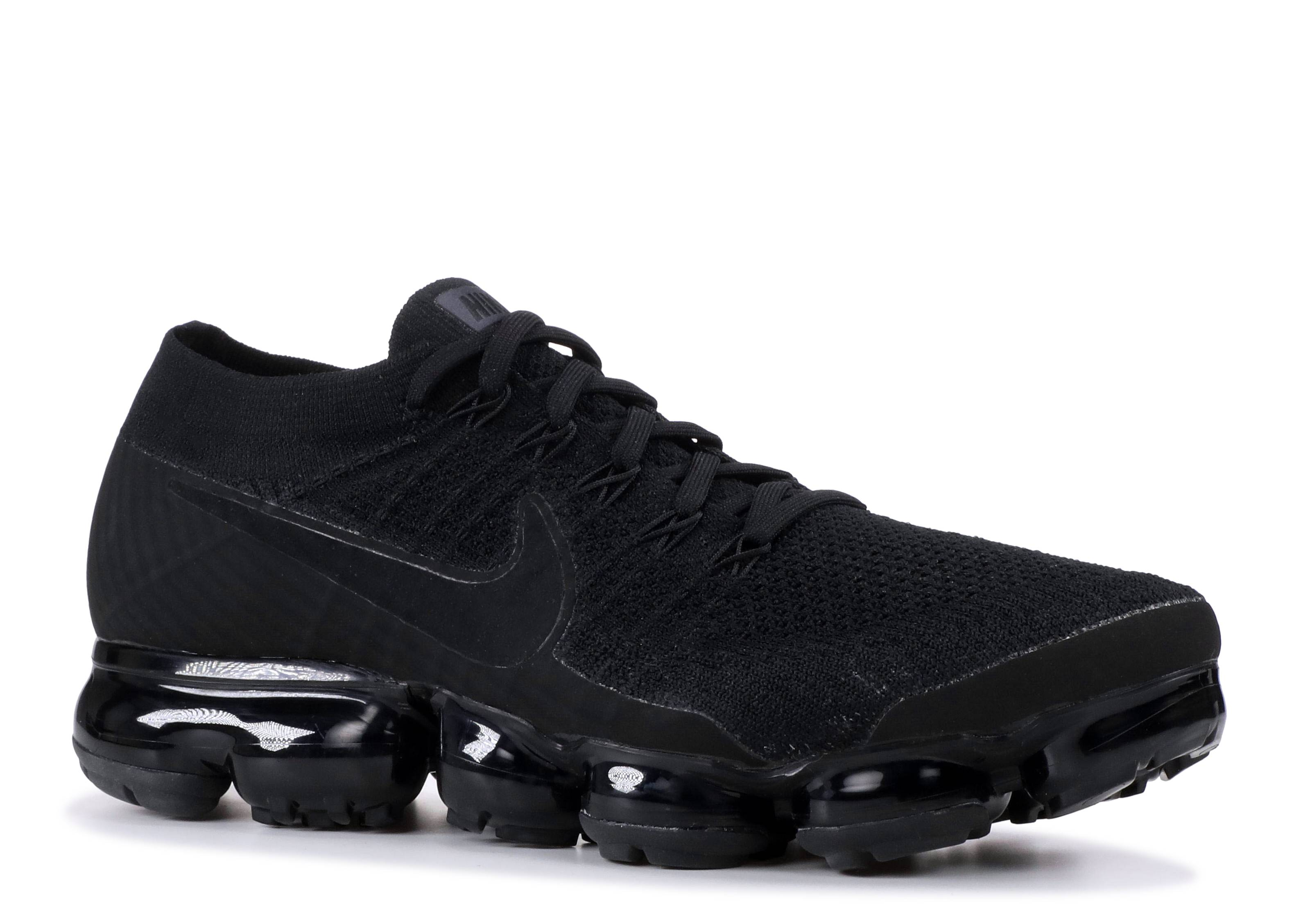 65a77cdaeba Nike Air Vapormax Triple Black 3.0 - 1