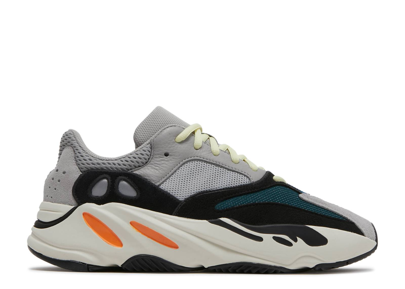 official photos df7fe cd9bf yeezy boost 700
