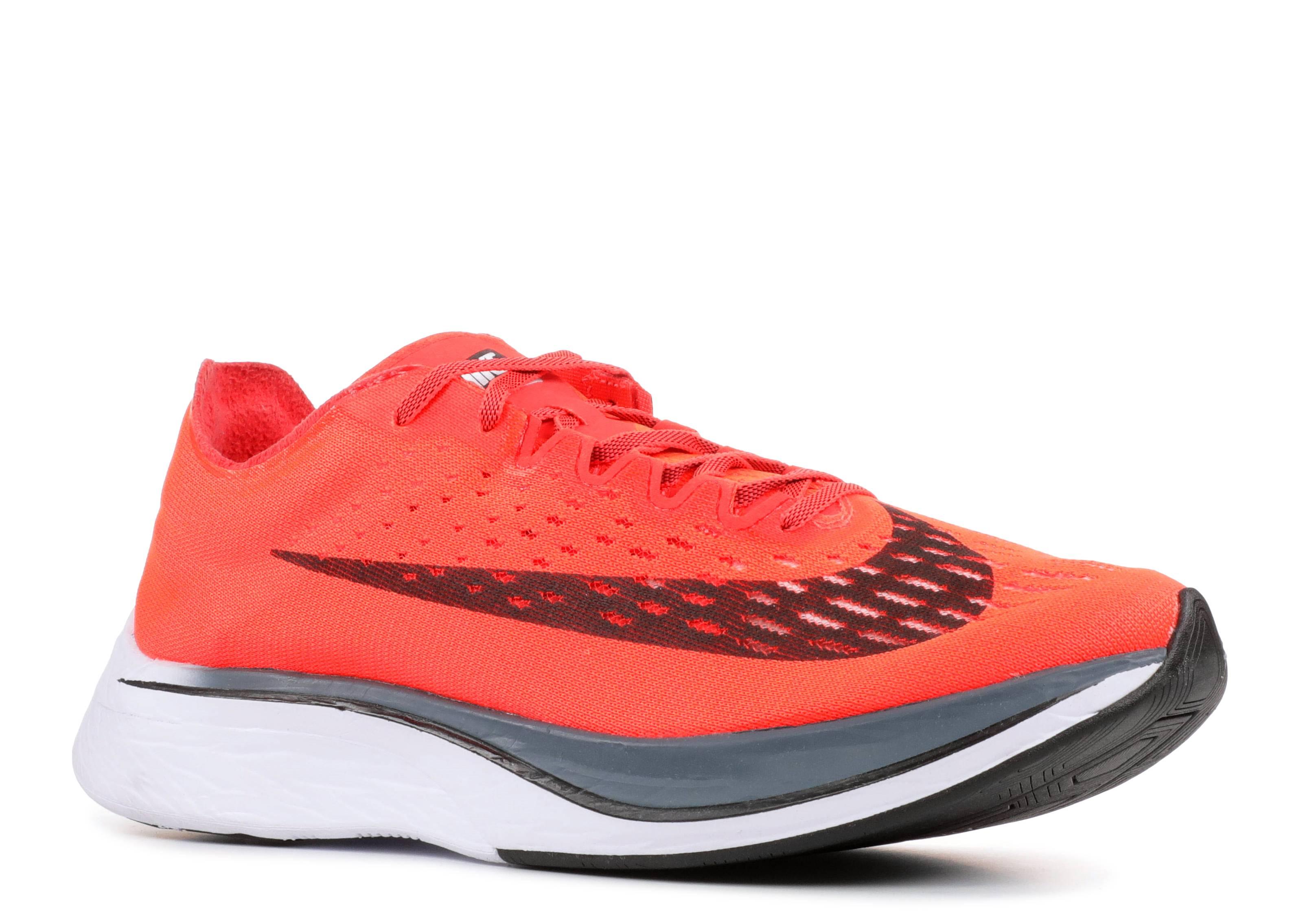 304bf2b2fd020 Nike Zoom Vaporfly 4% - Nike - 880847 600 - bright crimson  black ...