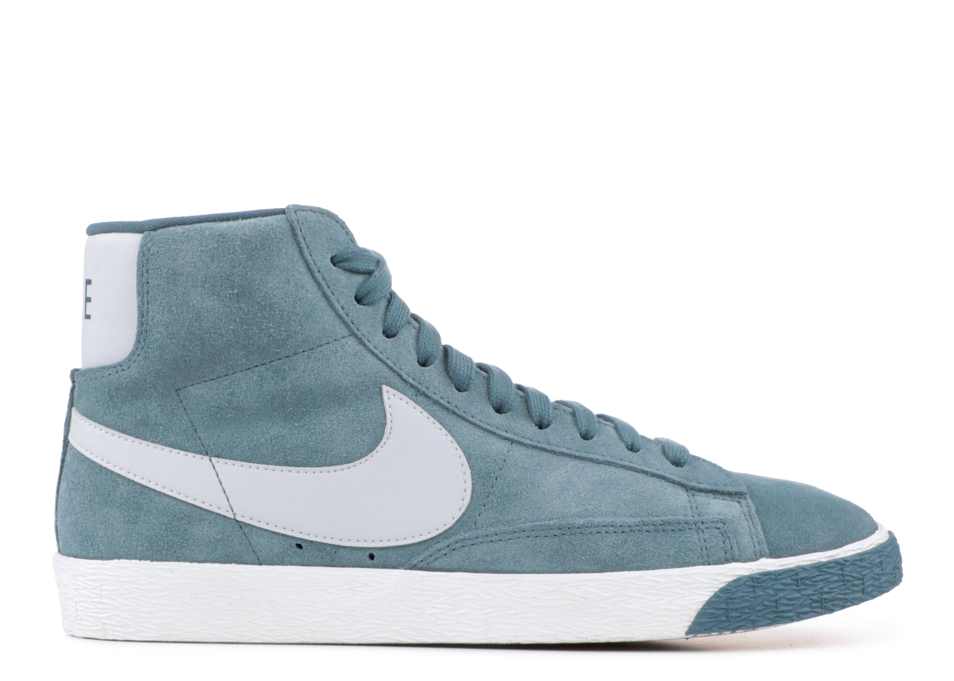 the latest 972f9 300ae nike wmns blazer mid vintage suede
