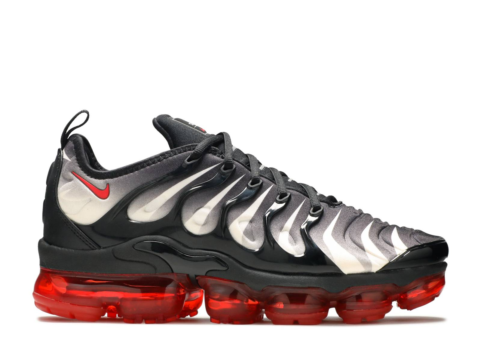 0cbf72e0b0f86 Air Vapormax Plus - Nike - AQ8632 001 - black speed red-white ...