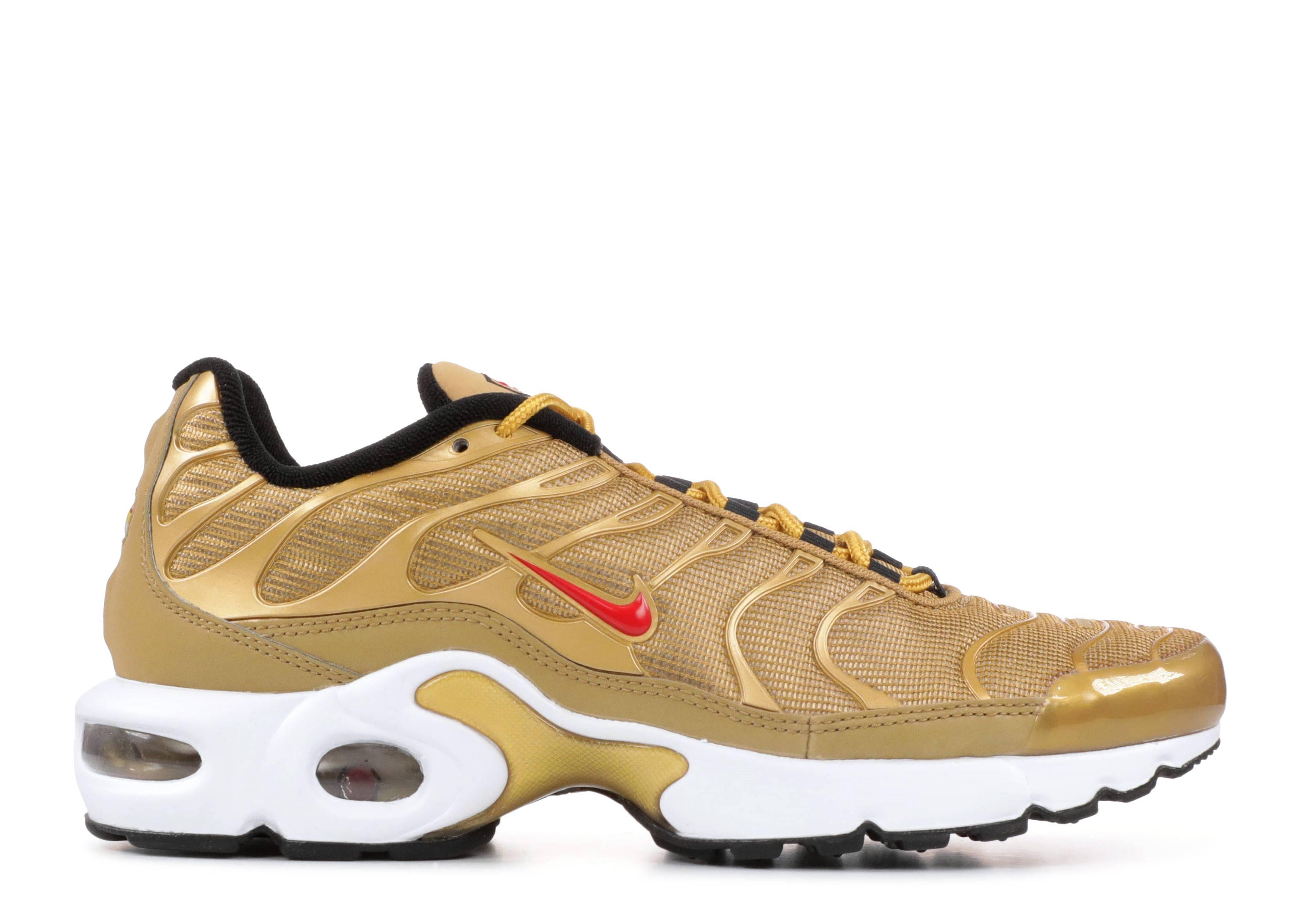 Persona con experiencia Coherente Sitio de Previs  Air Max Plus QS GS 'Metallic Gold' - Nike - AR0259 700 - metallic gold/university  red | Flight Club
