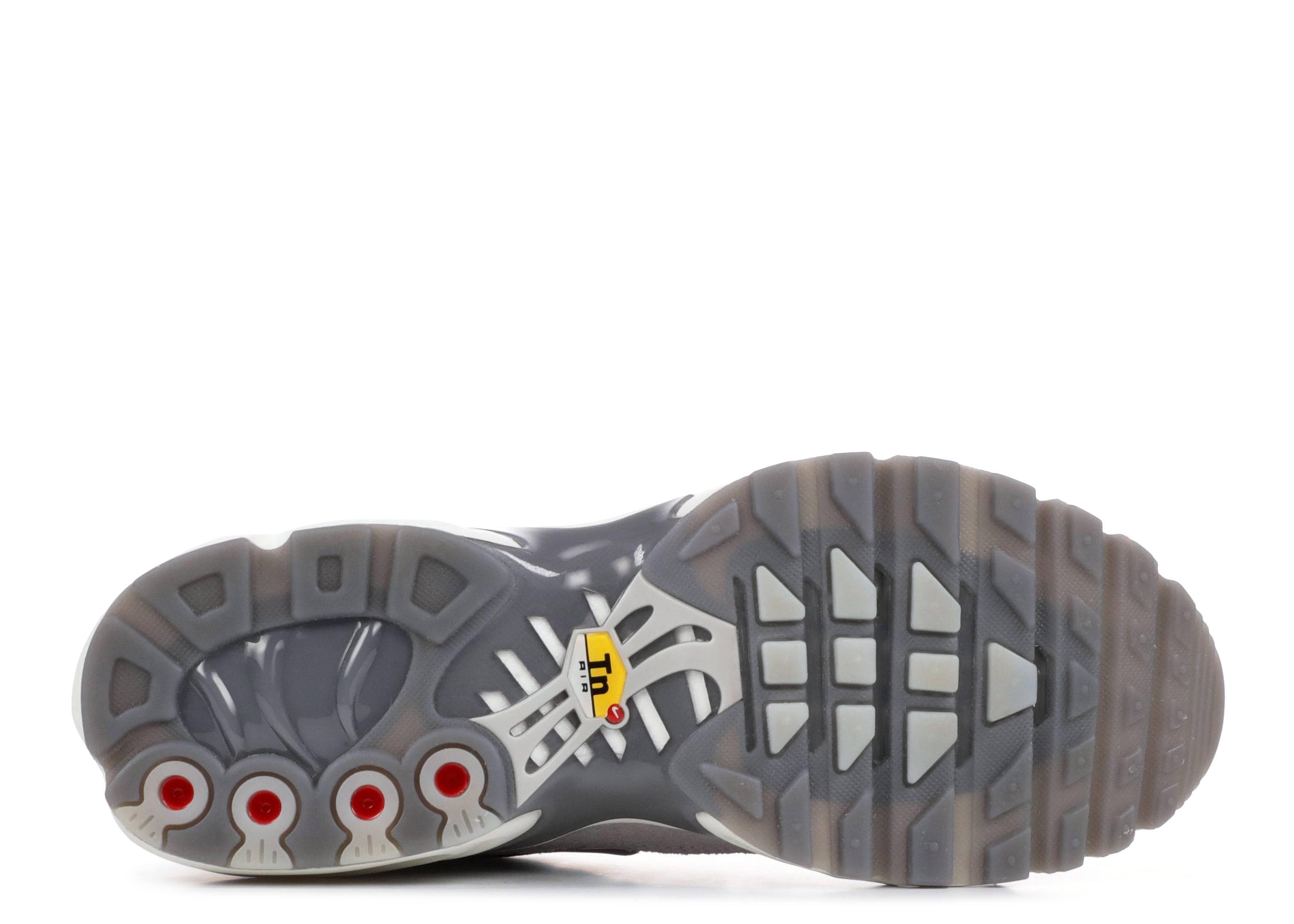 Wmns Air Max Plus Lx - Nike - ah6788 001 - gunsmoke atmosphere grey ... b53f0f588