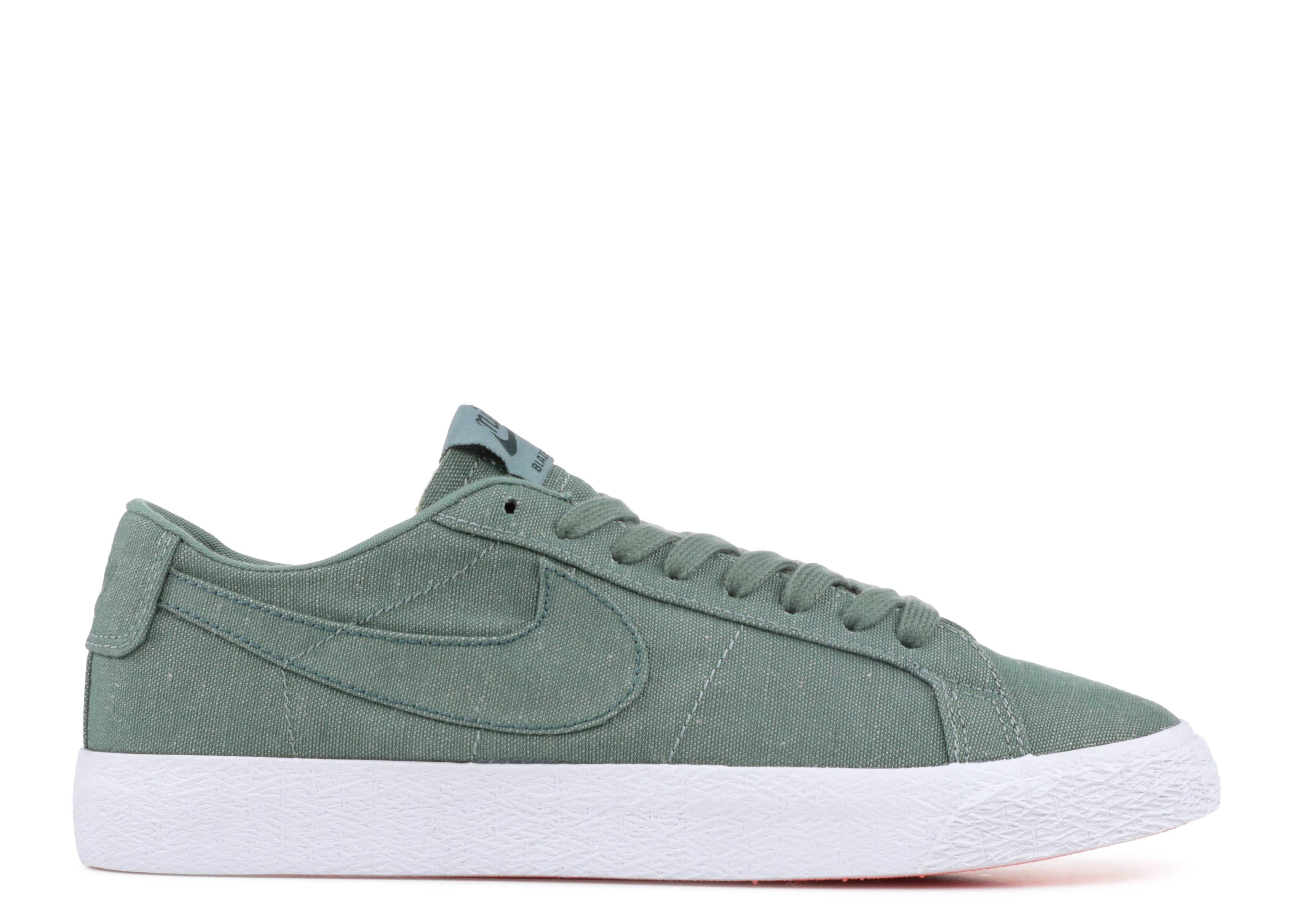 sb zoom blazer low cnvs decon
