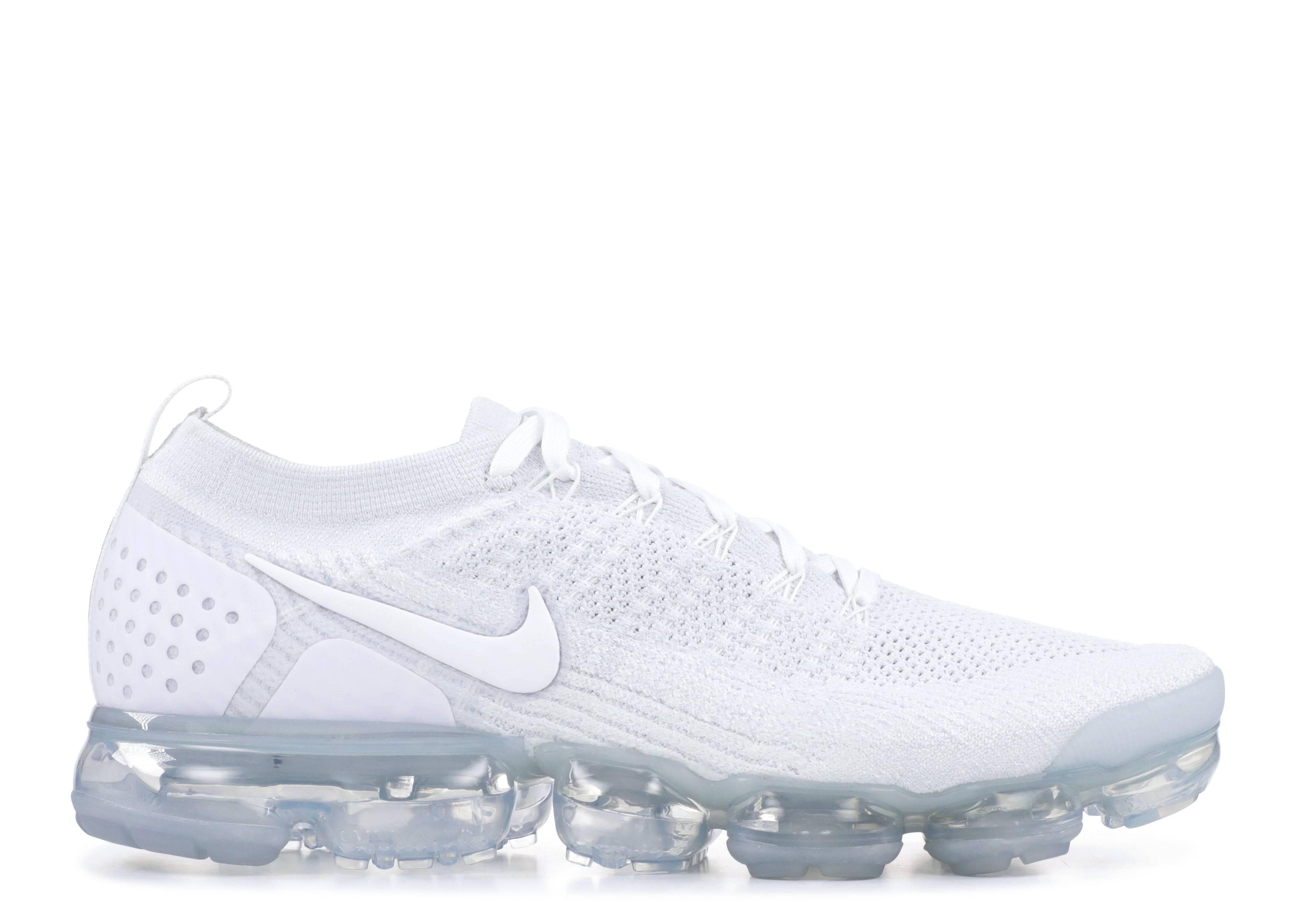 68c93933f4ffd Air Vapormax Flyknit 2 - Nike - 942842 100 - white white-pure ...