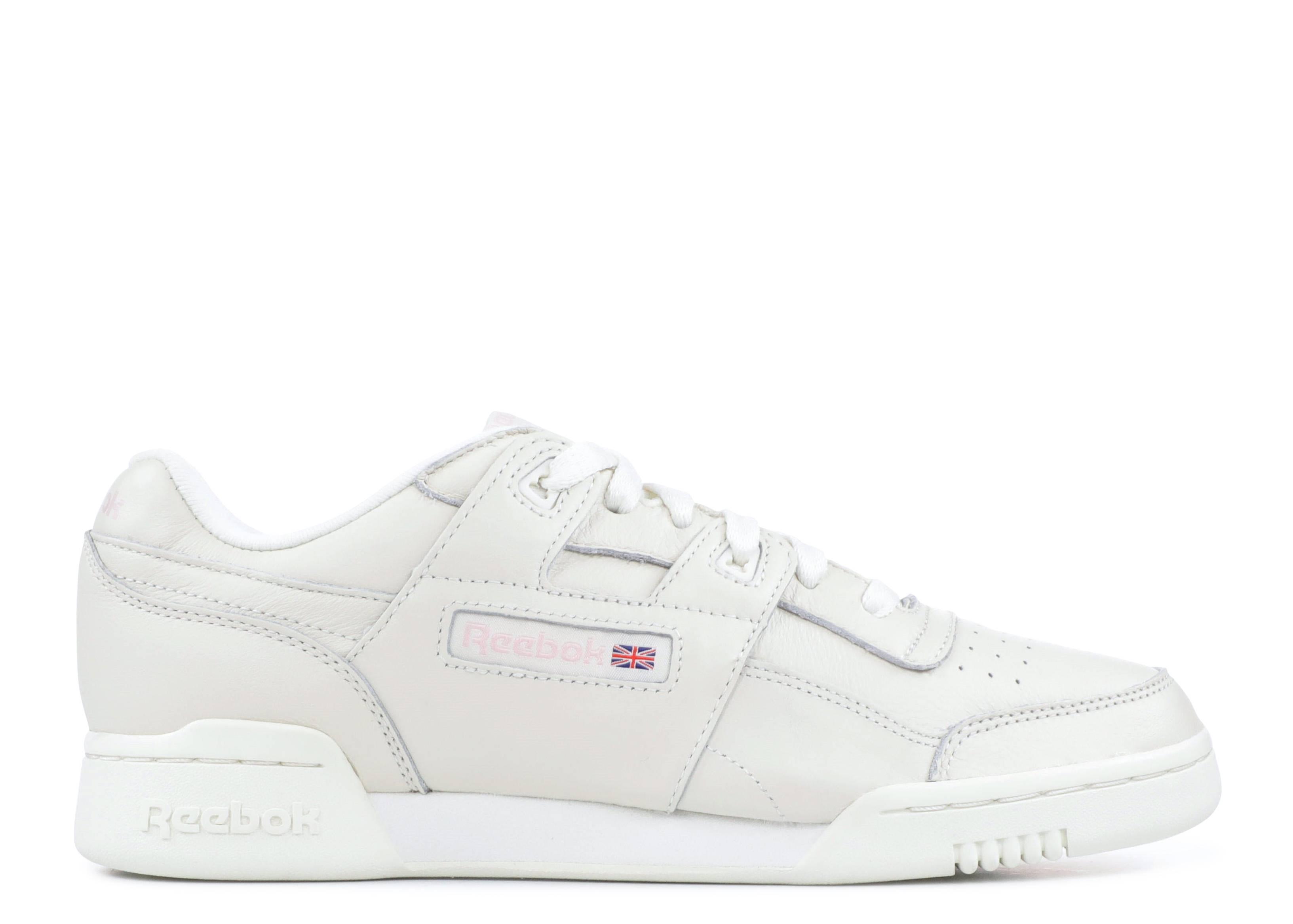 fc912b6c26f W workout lo plus reebok vintage white practical pink jpg 1600x1140  Sneakers reebok vintage pink