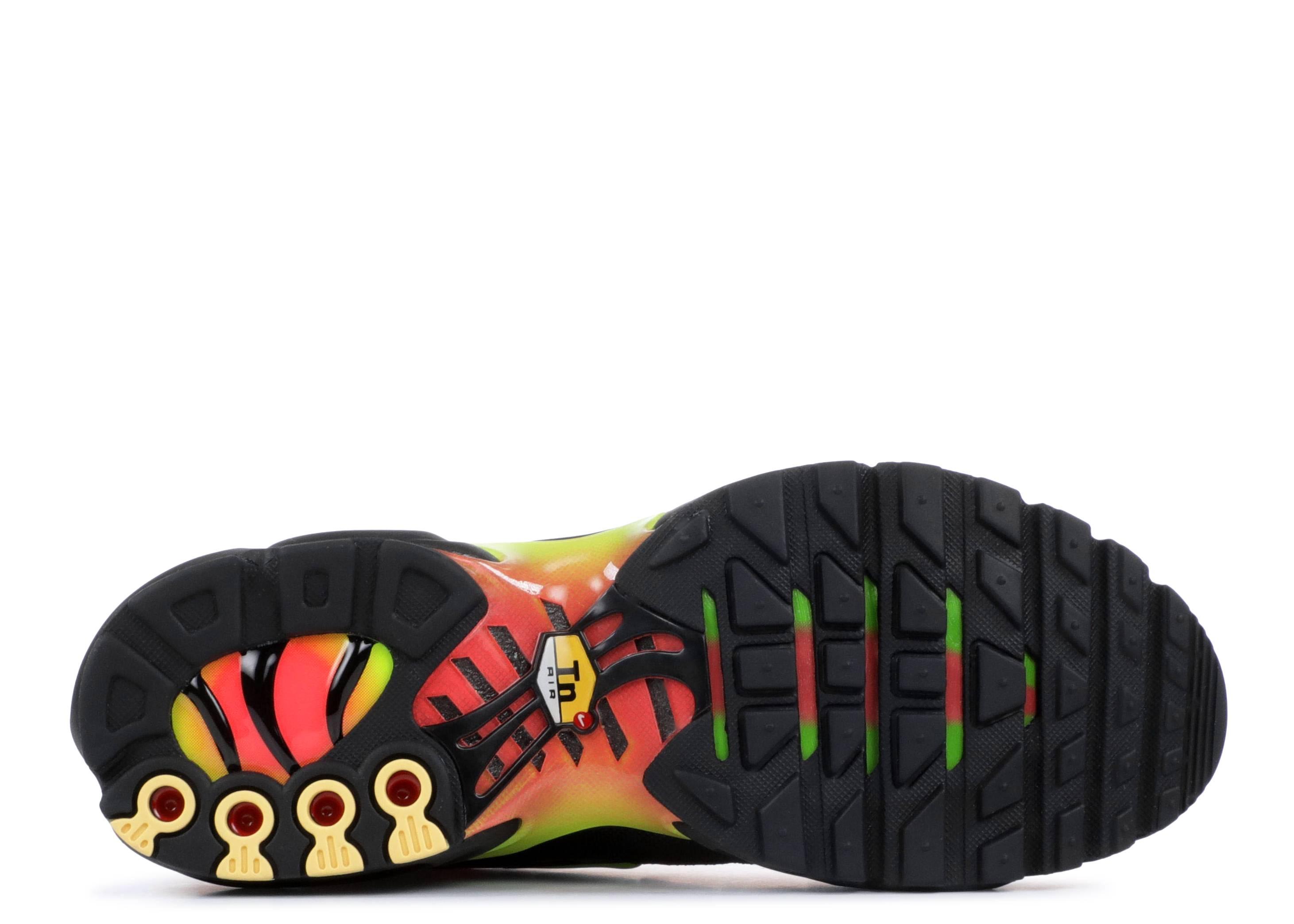 14848332a1 WMNS AIR MAX PLUS TN SE - Nike - aq9979 001 - black/volt-solar red | Flight  Club