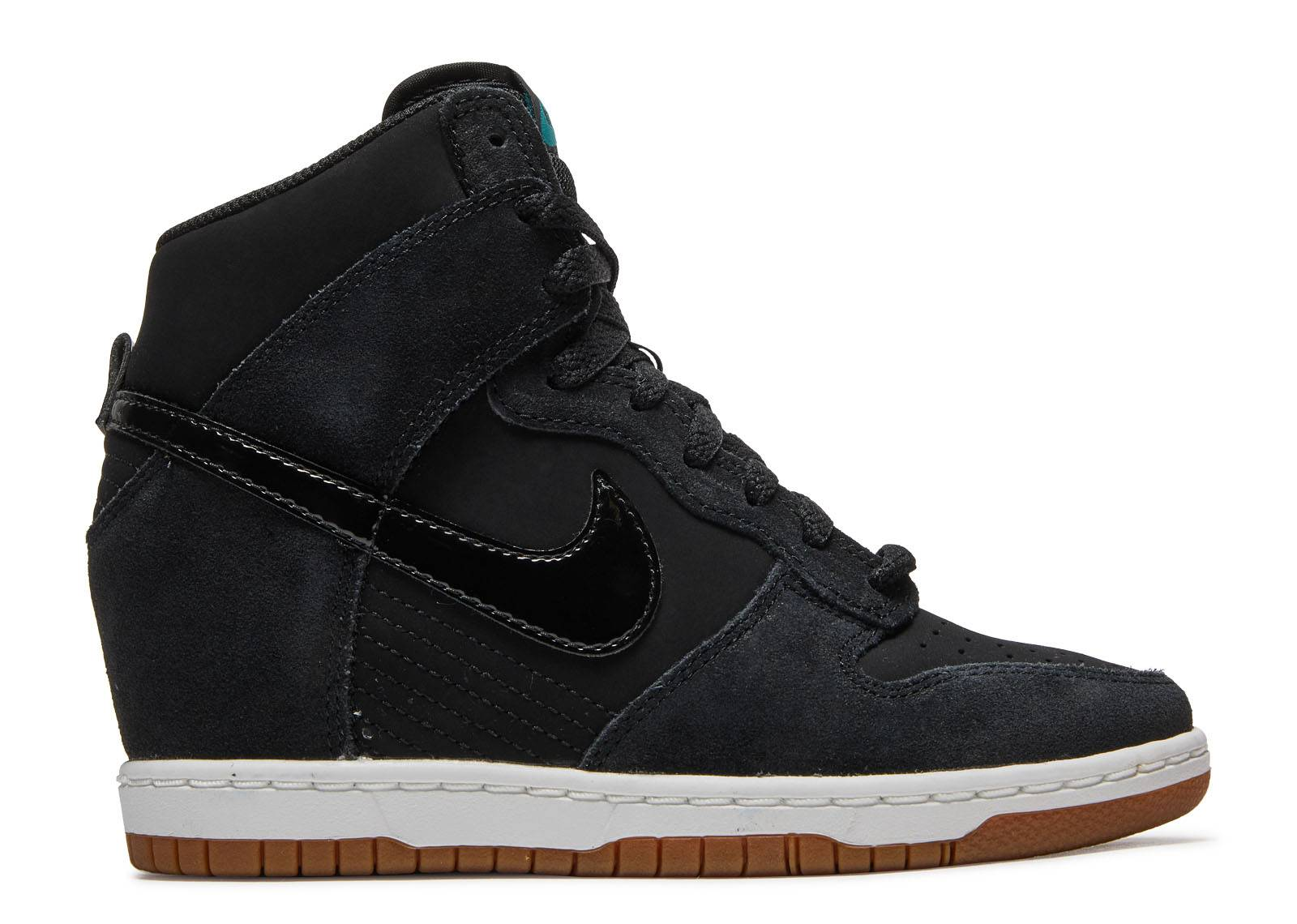 the latest 8383a cd2f2 nike. Wmns dunk sky hi essential