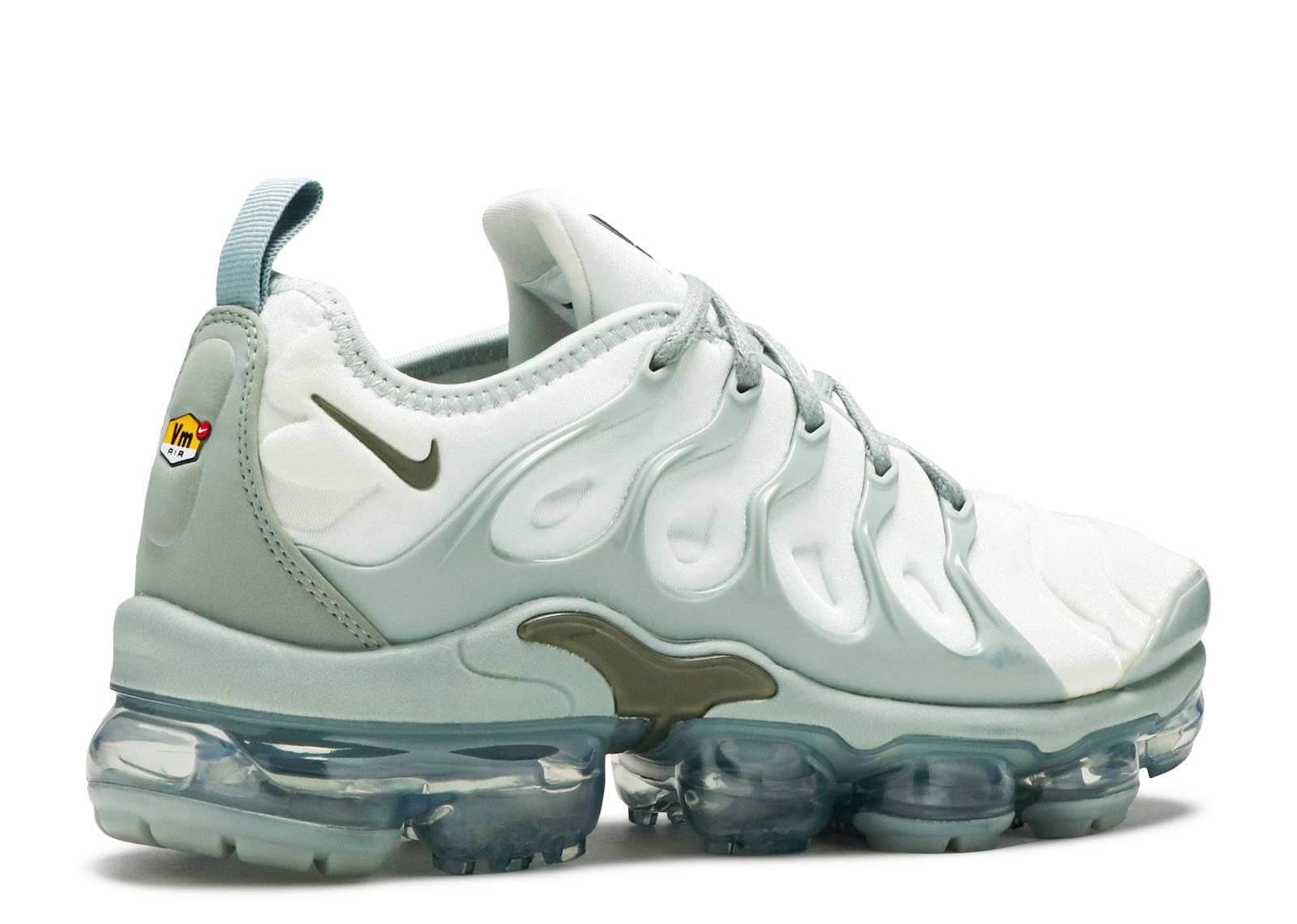 5f3a07f8cf7 Nike Vapormax Plus - Nike - ao4550 006 - light silver mica green reflect  silver medium olive